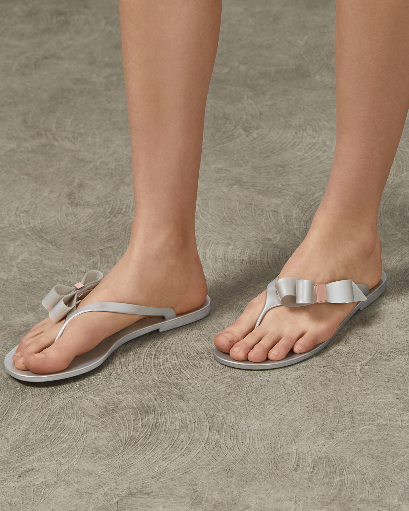 5c889eea8 Ted Baker Bow Detail Jelly Flip Flops in Metallic - Save 10% - Lyst