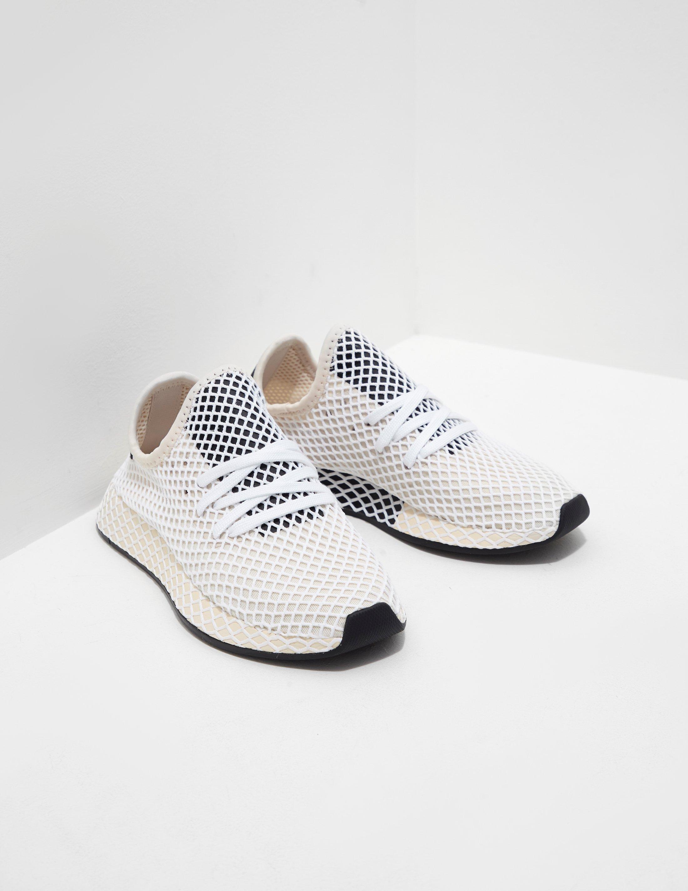 Lyst Adidas Originali Di Donne Deerupt Donne Crema