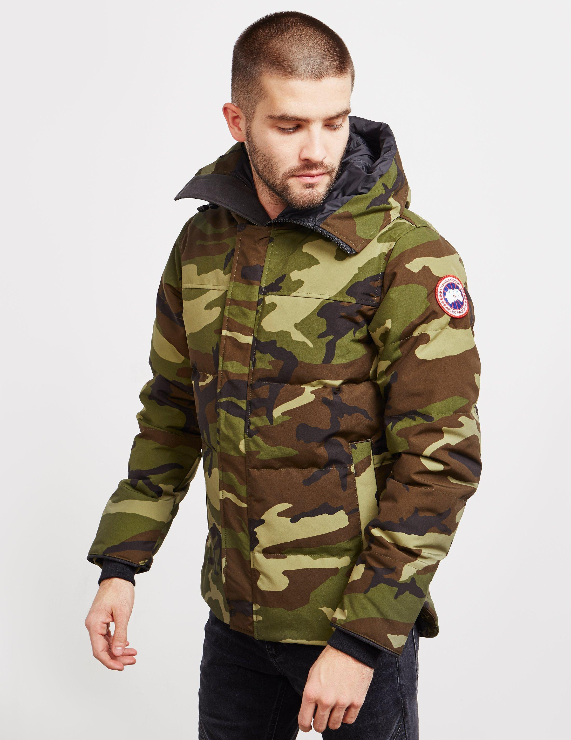 ca1ed76a7588 Canada Goose Macmillan Padded Parka Jacket Green in Green for Men - Lyst