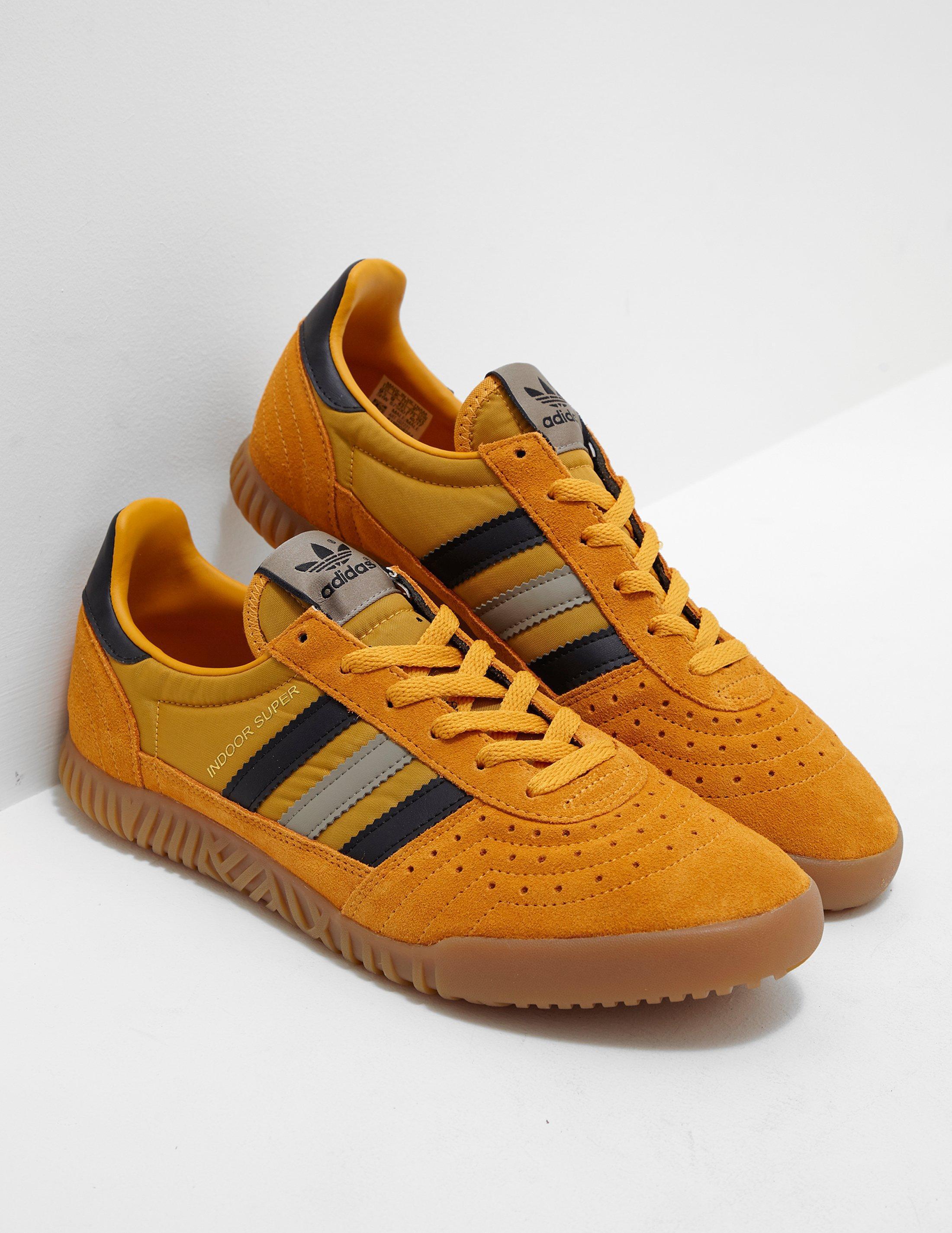 lyst adidas originali mens indoor super giallo giallo per gli uomini.