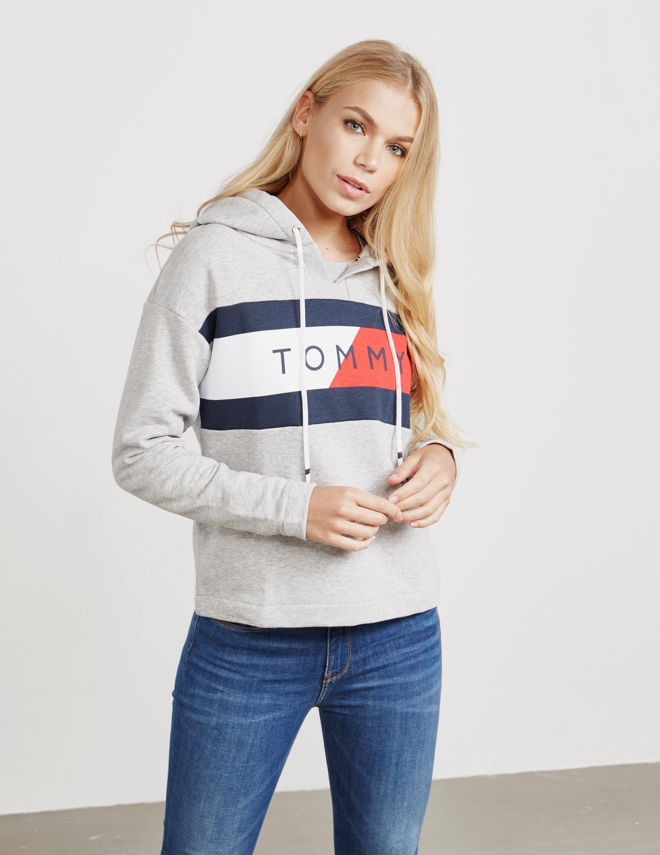 großer Verkauf exquisiter Stil Detaillierung Tommy Hilfiger Cotton Athletic Logo Flag Overhead Hoodie ...