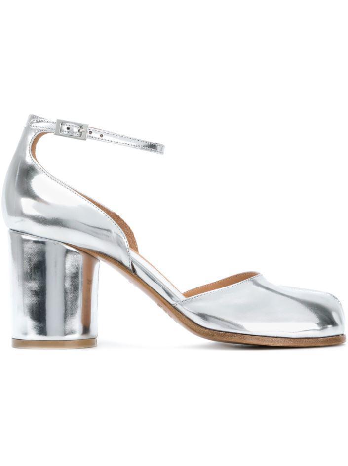 b624a61ae641 Maison Margiela Tabi Ankle Strap Pumps in White - Lyst