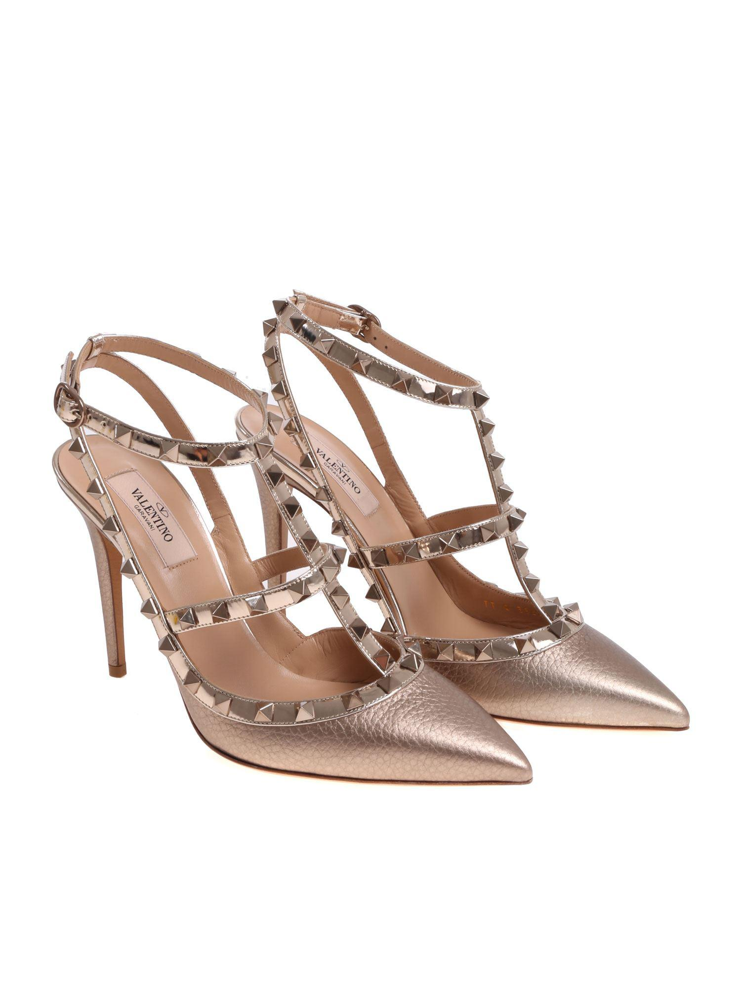 167e965cb01 Valentino Nude Rockstud Leather Pumps in Natural - Lyst