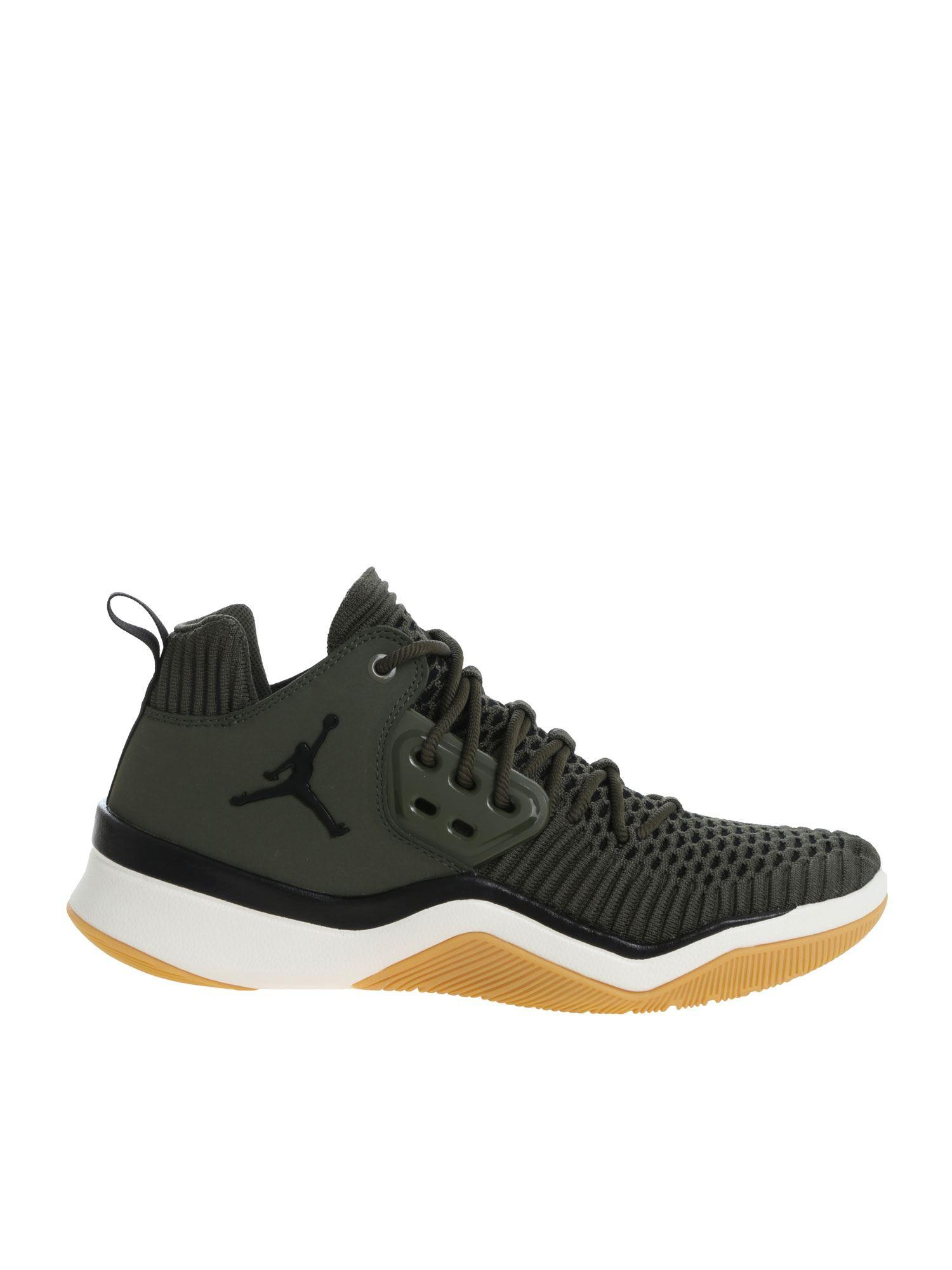 628bafe8a629f6 Nike