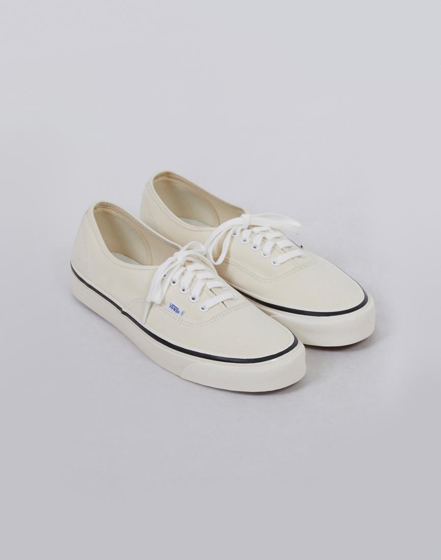 e7b26602468 Vans Authentic 44 Dx Plimsolls White in White for Men - Lyst