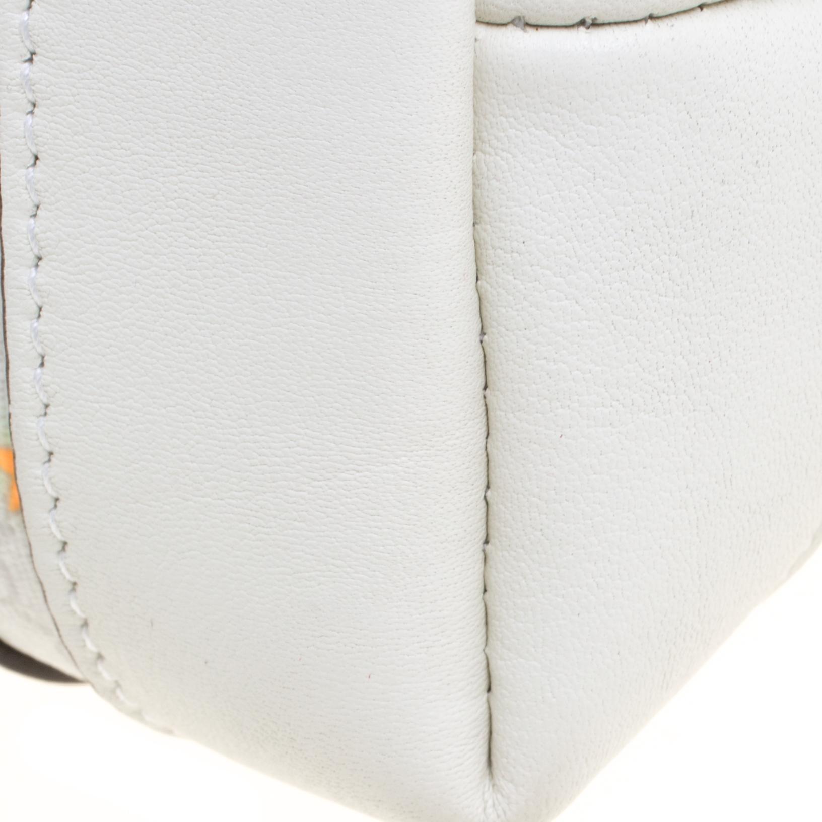 e8adc8ff6a74ed Gucci Micro Gg Supreme Canvas Neon Stars Tote in White - Lyst