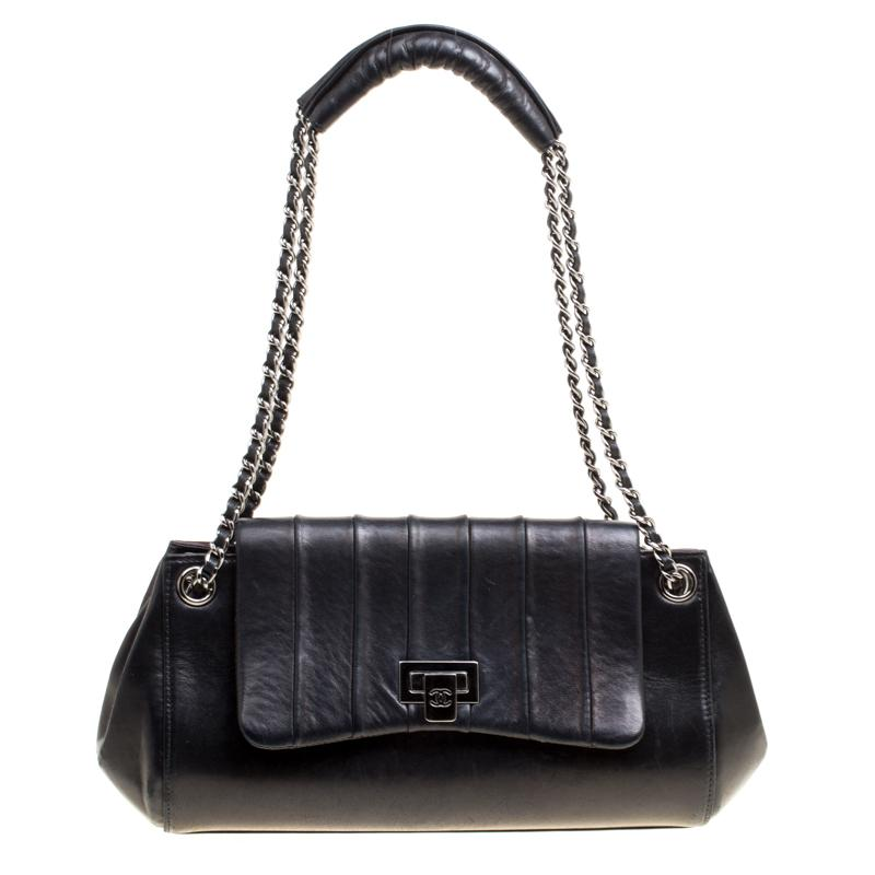 f4e419fbddef Chanel Black Vertical Quilted Leather Accordion Flap Bag in Black ...