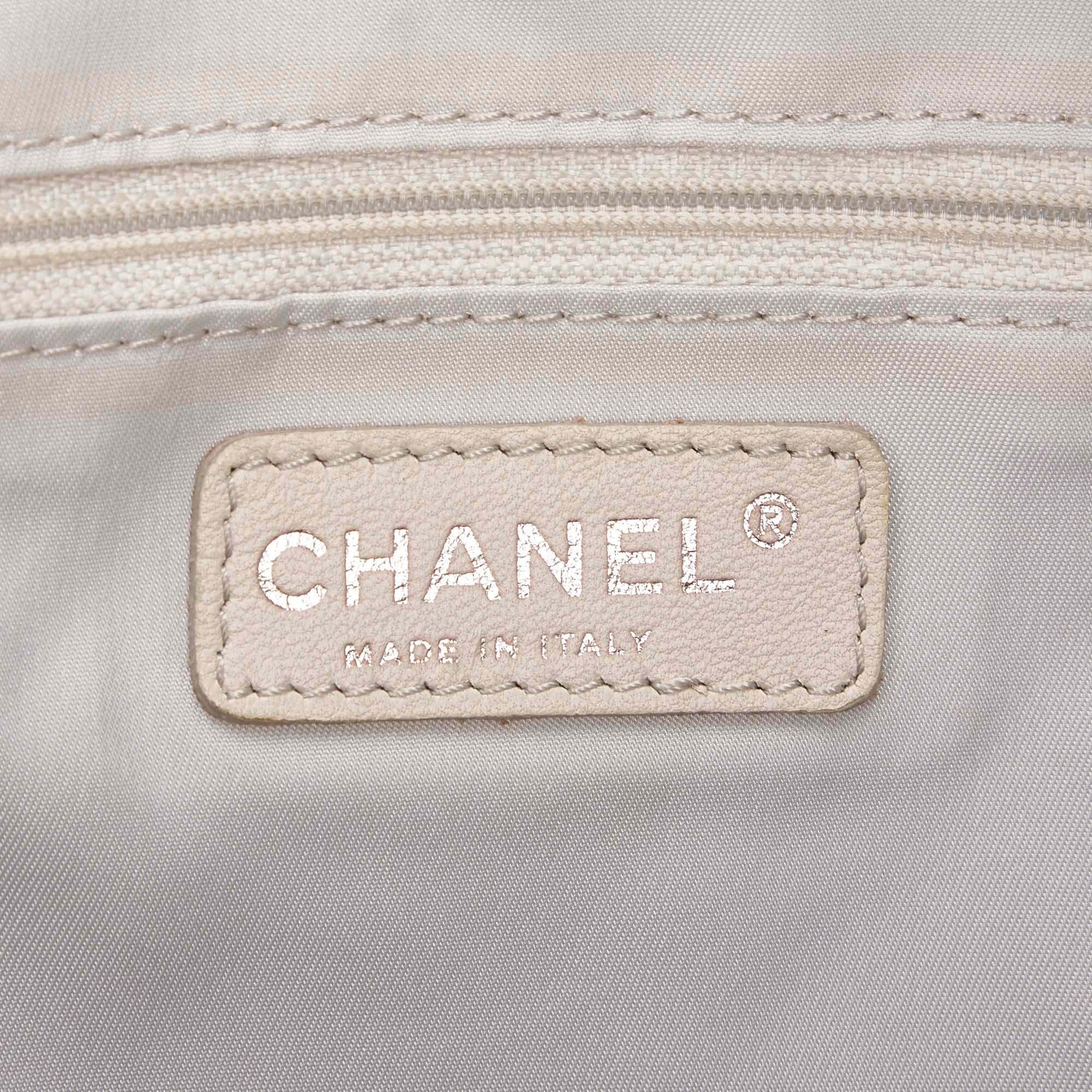 e8e65ba4b557 Lyst - Chanel Bi Color Quilted Coated Canvas Large Paris Biarritz ...