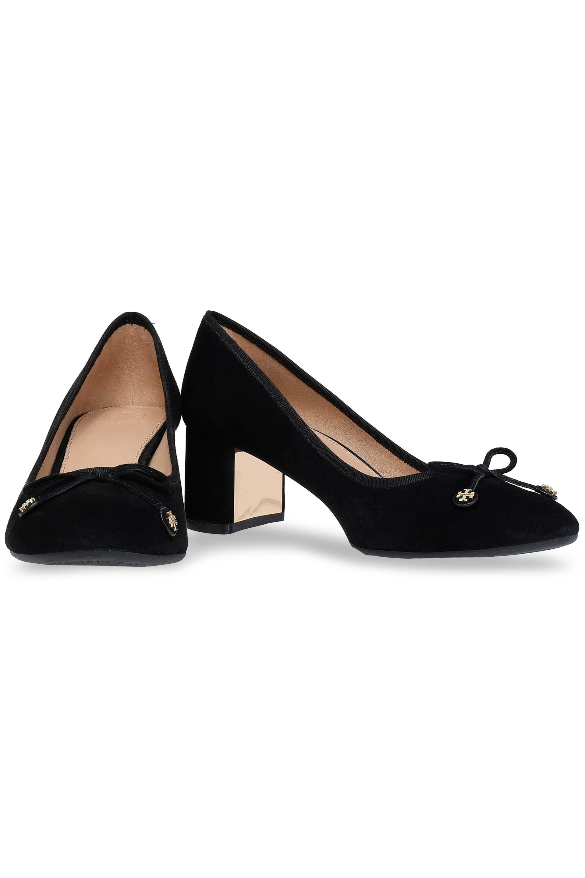 37595ce1fc52 Tory Burch - Woman Bow-detailed Suede Pumps Black - Lyst. View fullscreen