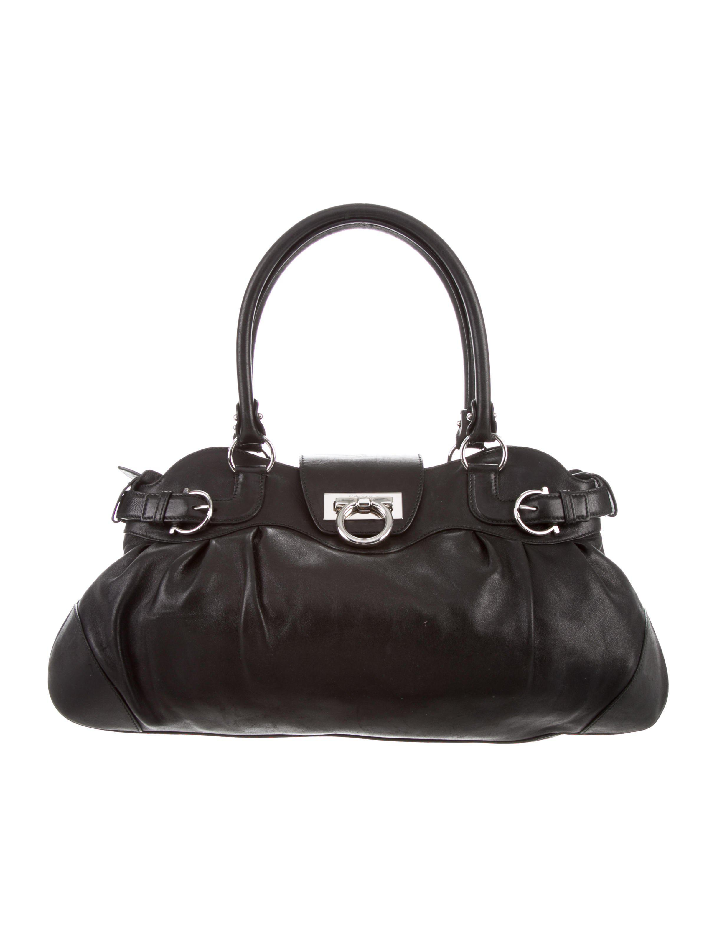 b6f8d685823c Lyst - Ferragamo Leather Marisa Bag Black in Metallic