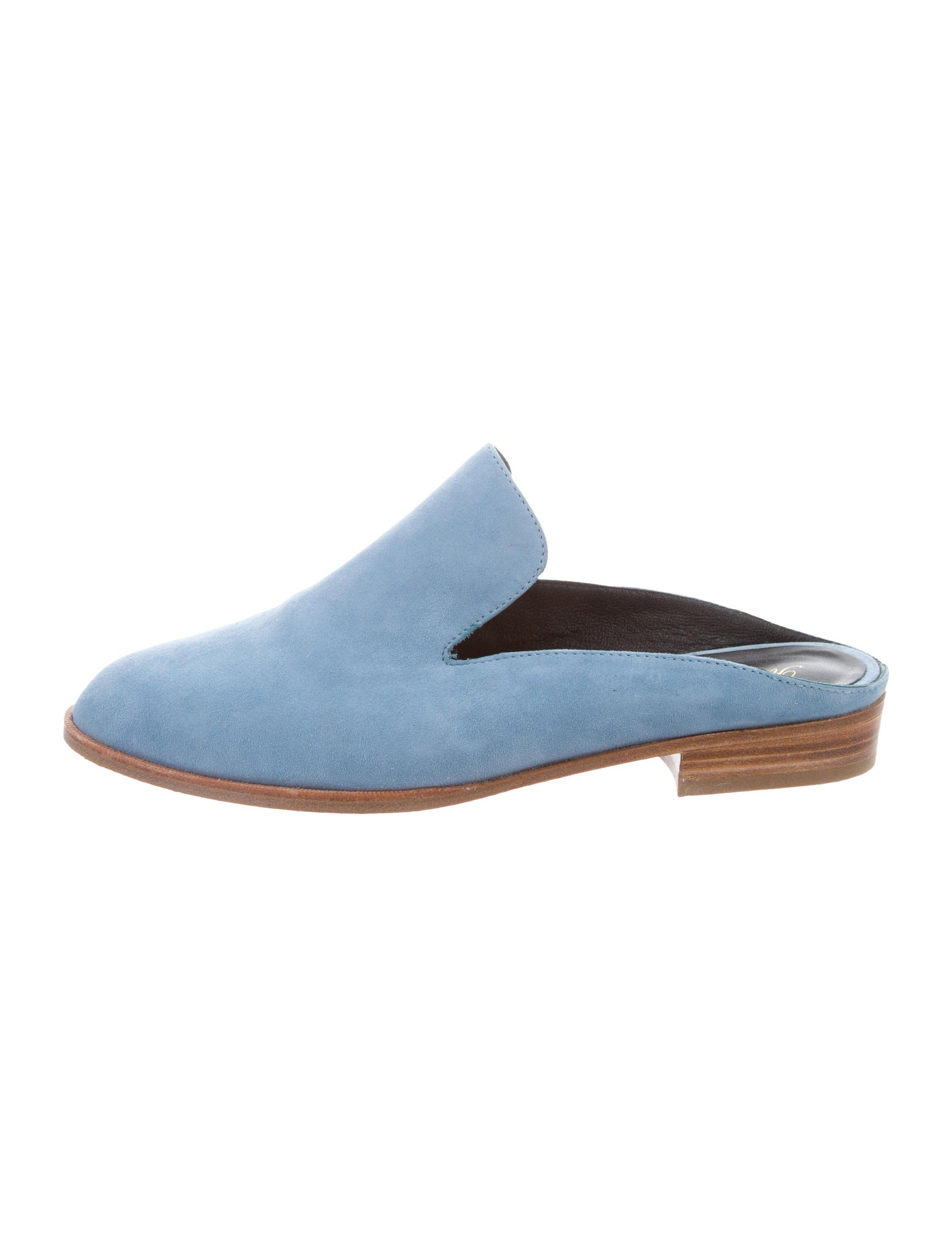 Robert Clergerie Clergerie Paris Embossed Round-Toe Mules