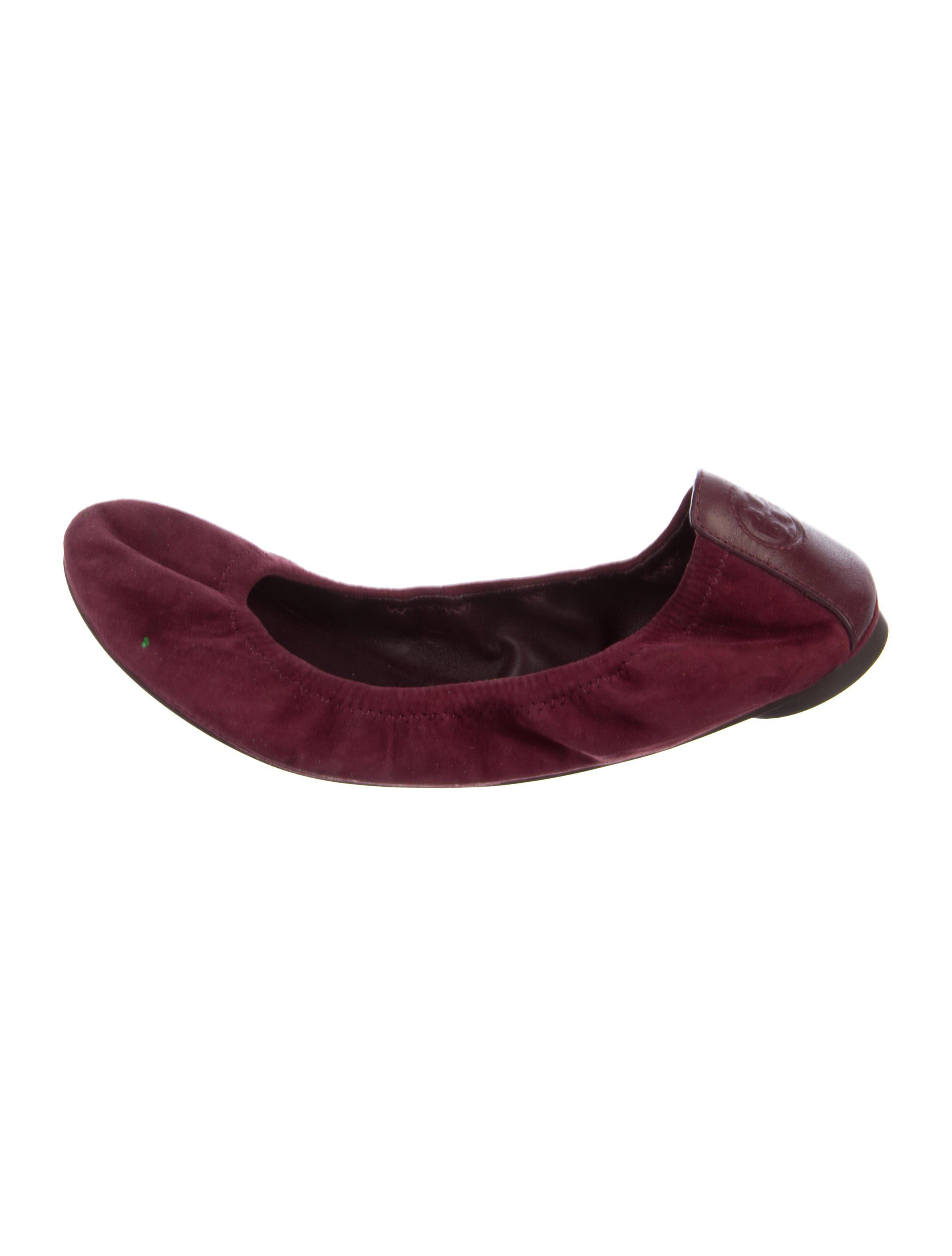 388215abe3f Lyst - Tory Burch Suede Round-toe Flats in Purple