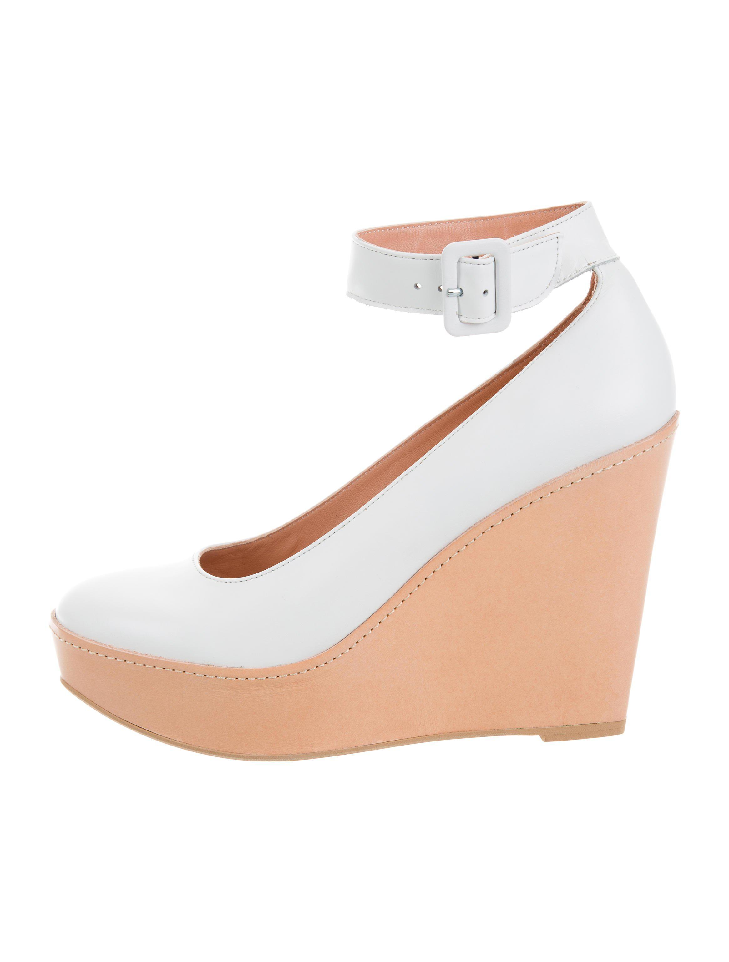 Robert Clergerie Leather Round-Toe Wedges w/ Tags cheap pay with visa w7GWLUn0