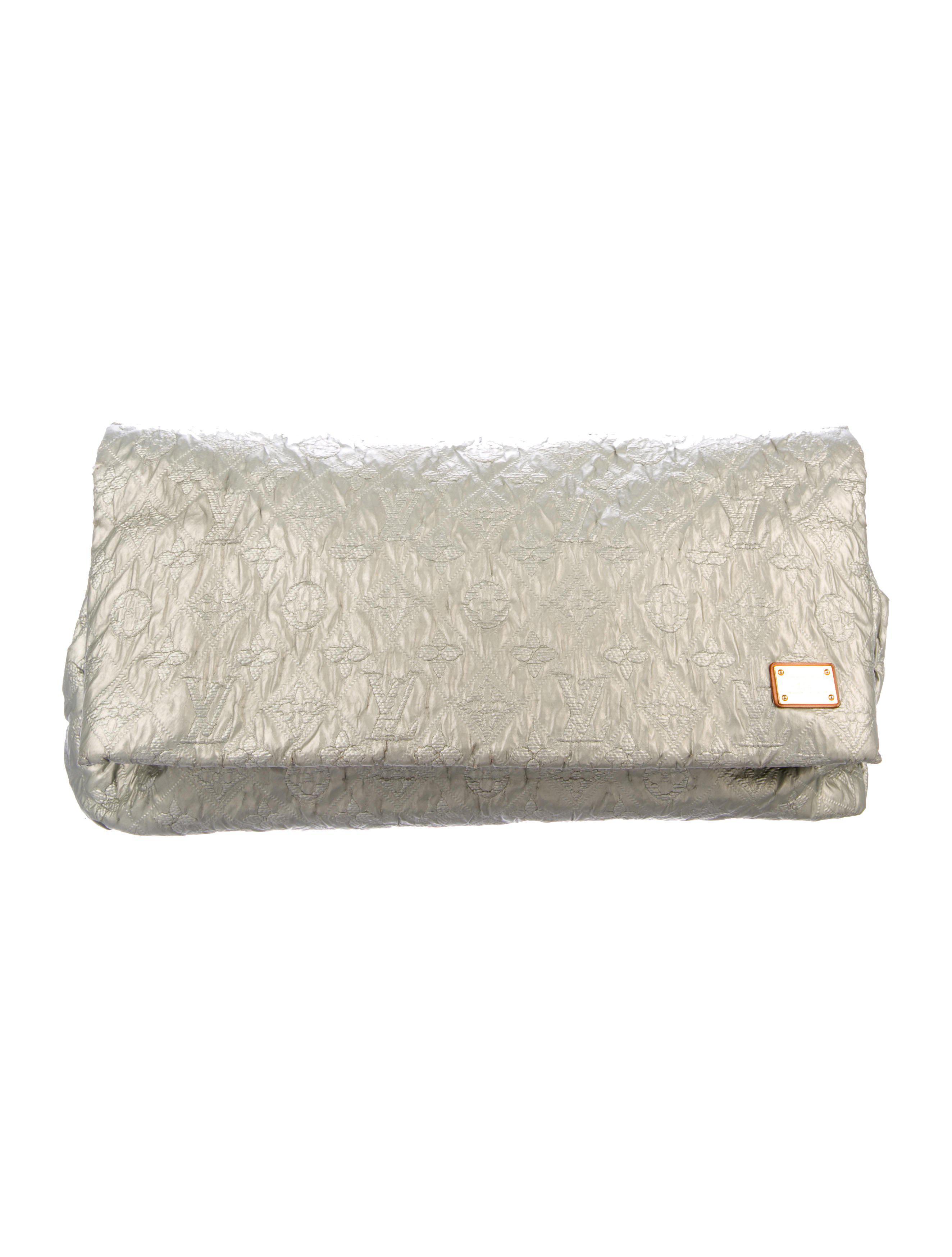 Louis Vuitton. Women's Metallic Limelight Gm ...
