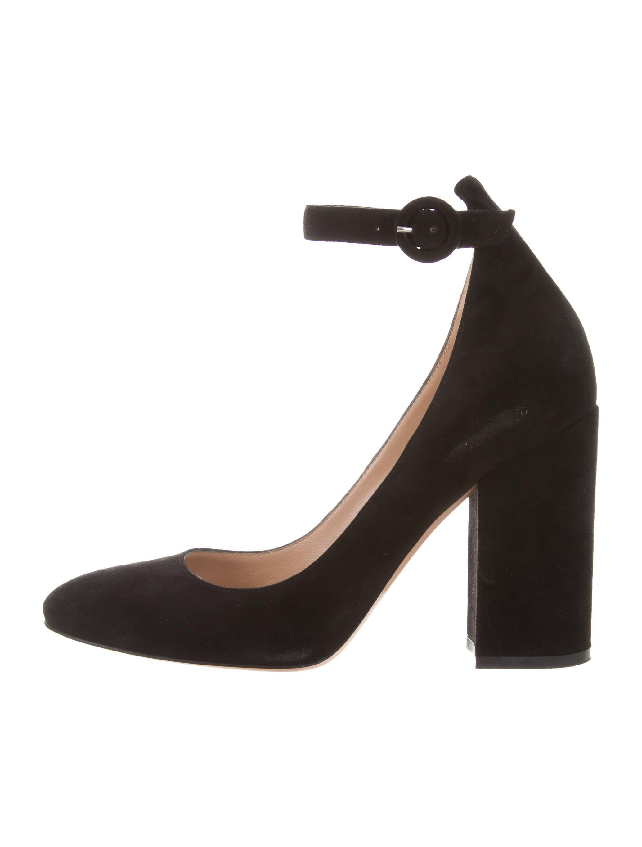 6d4484a19ae1 Lyst - Gianvito Rossi Suede Ankle-strap Pumps in Black