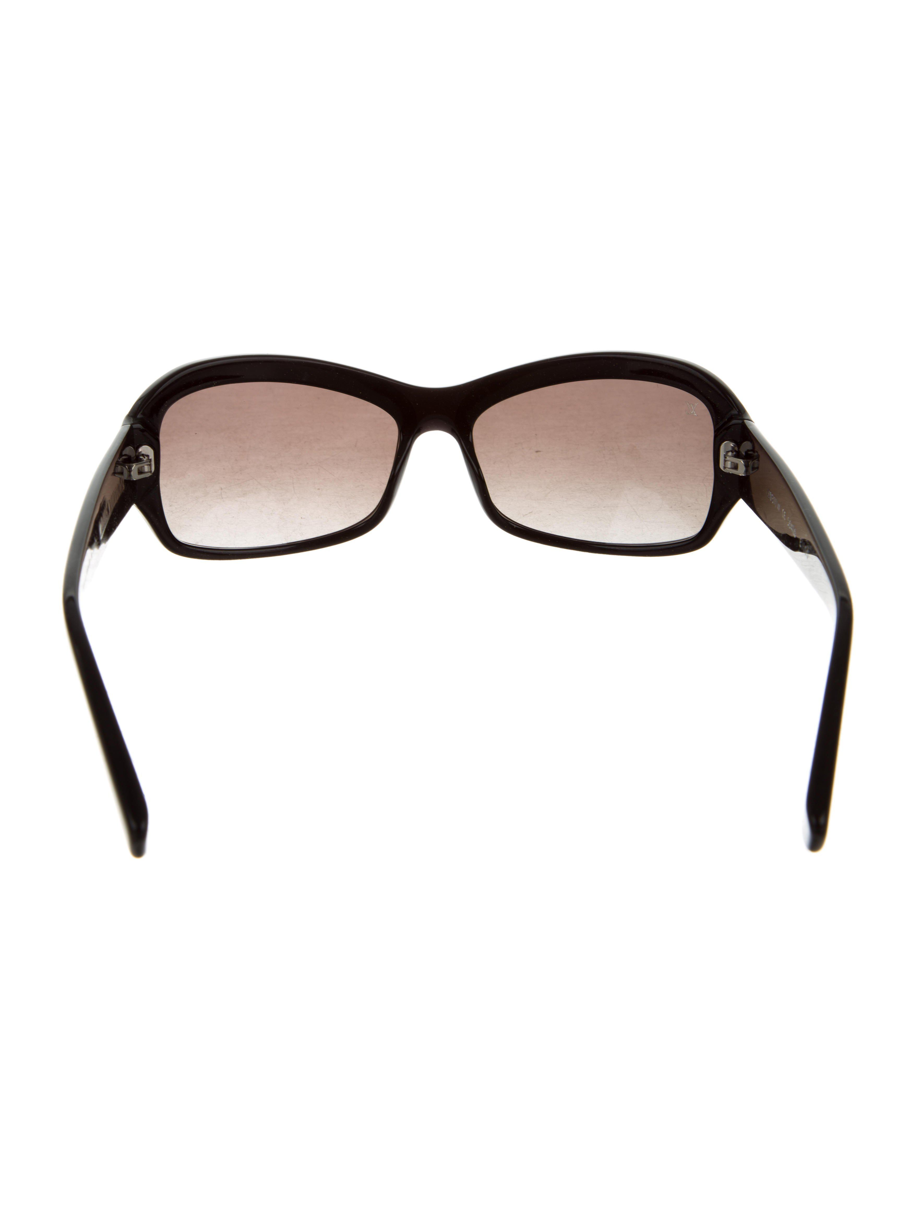 c289aefcfd3 Lyst - Louis Vuitton Obsession Carré Sunglasses in Black