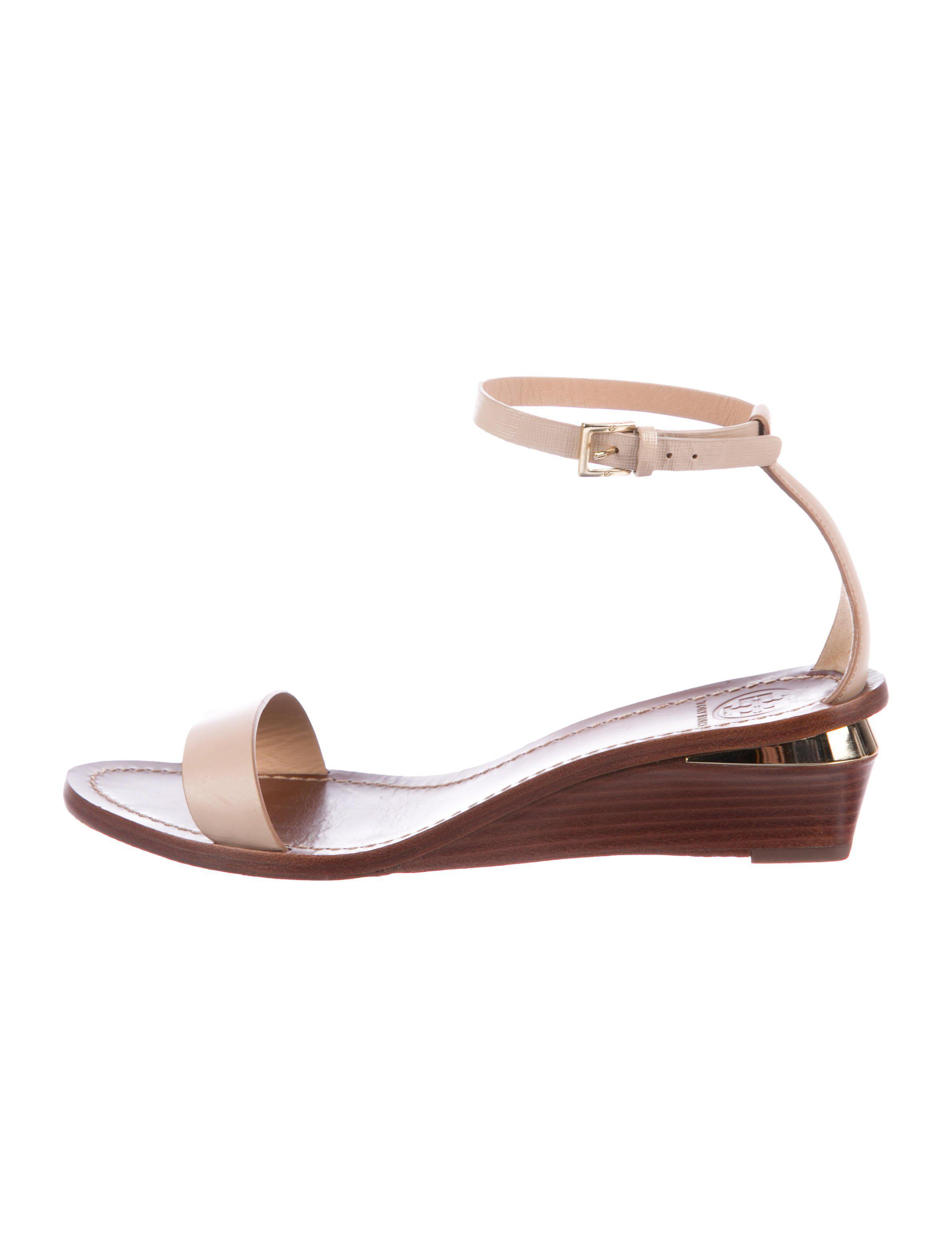 55283ccc762a Lyst - Tory Burch Leather Ankle-strap Wedges Nude in Metallic