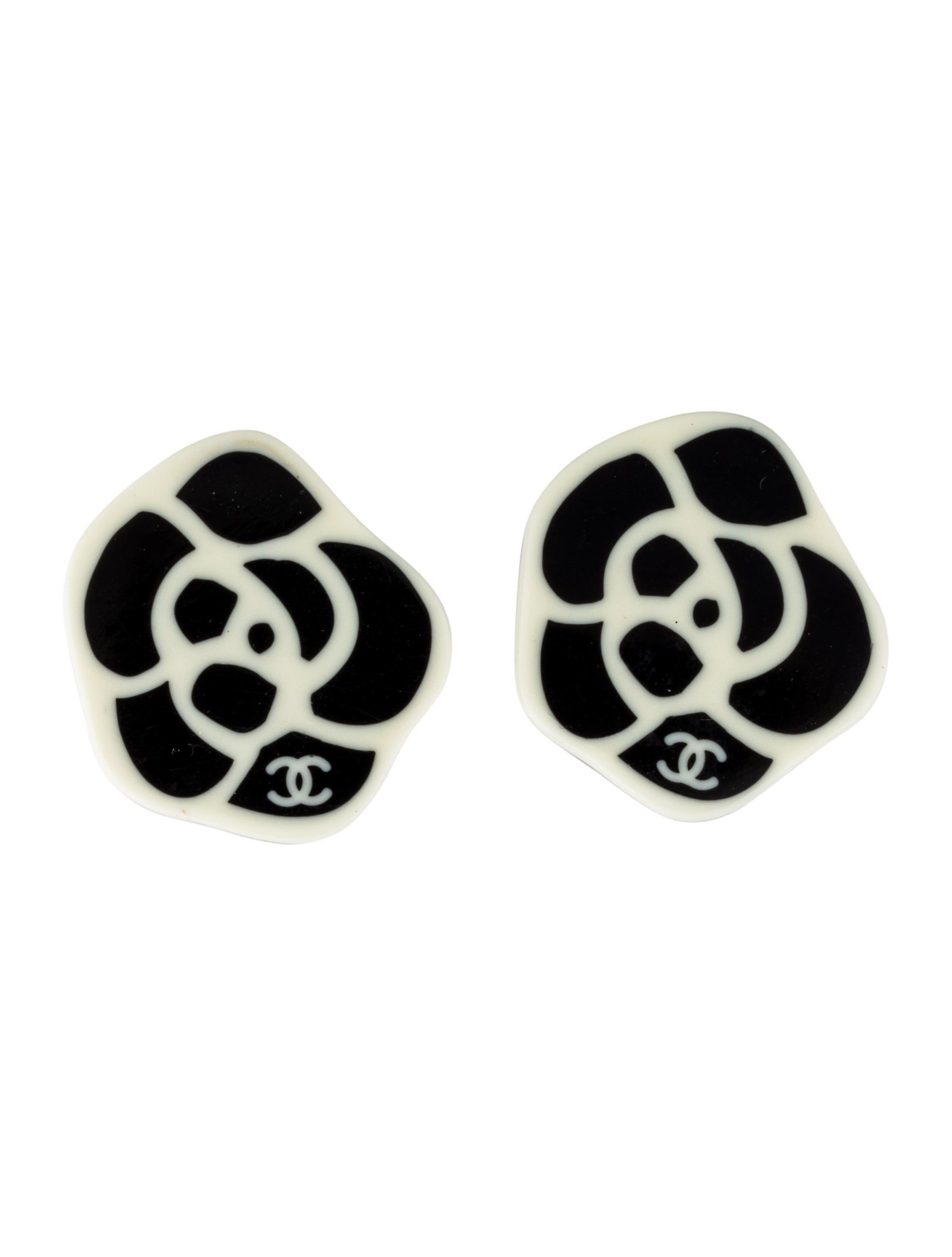 Lyst Chanel Resin Camellia Clip On Earrings Gold In Metallic