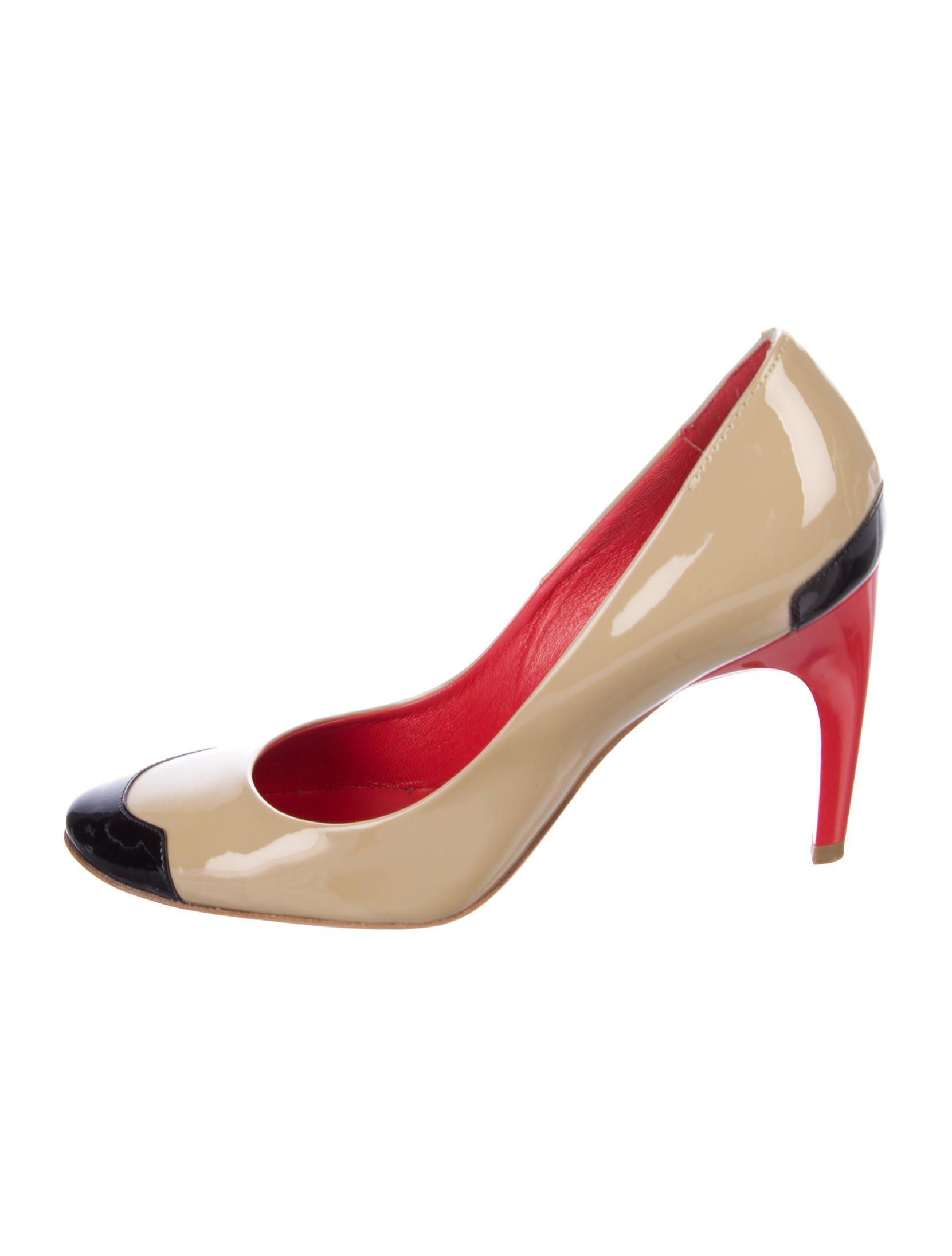 Roger Vivier Buckle-Accented Round-Toe Pumps clearance VC0YQHjLms