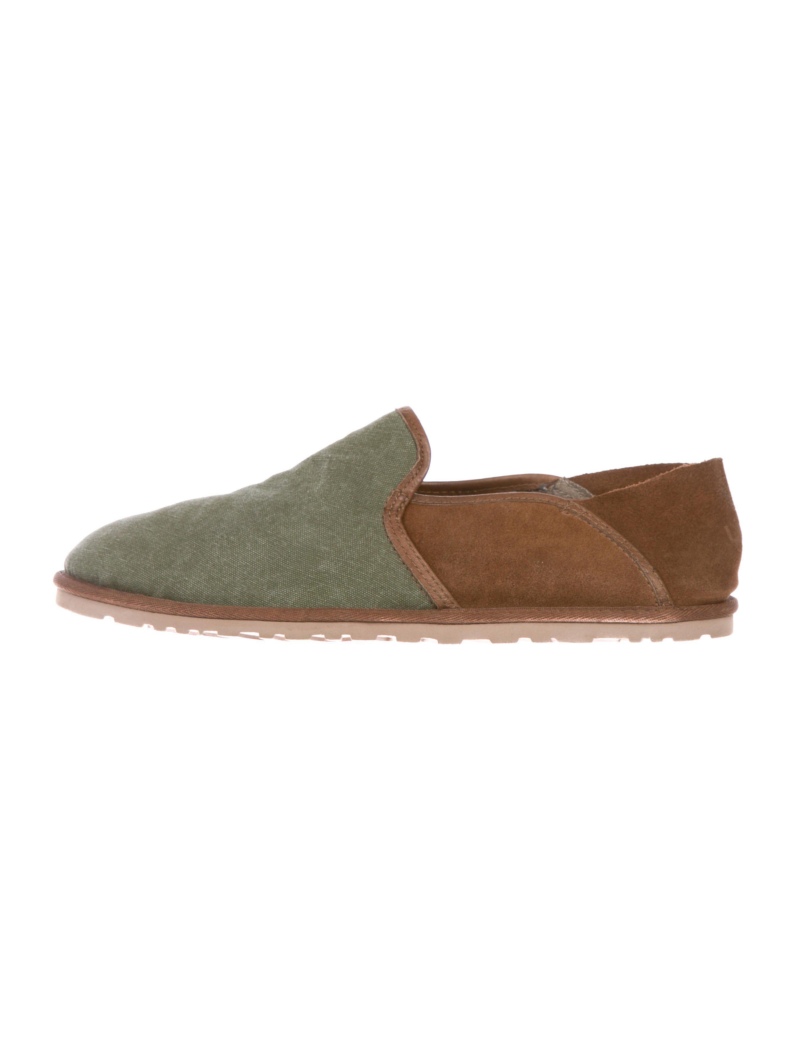 UGG. Men's Green Canvas Shearling-lined Moccasins