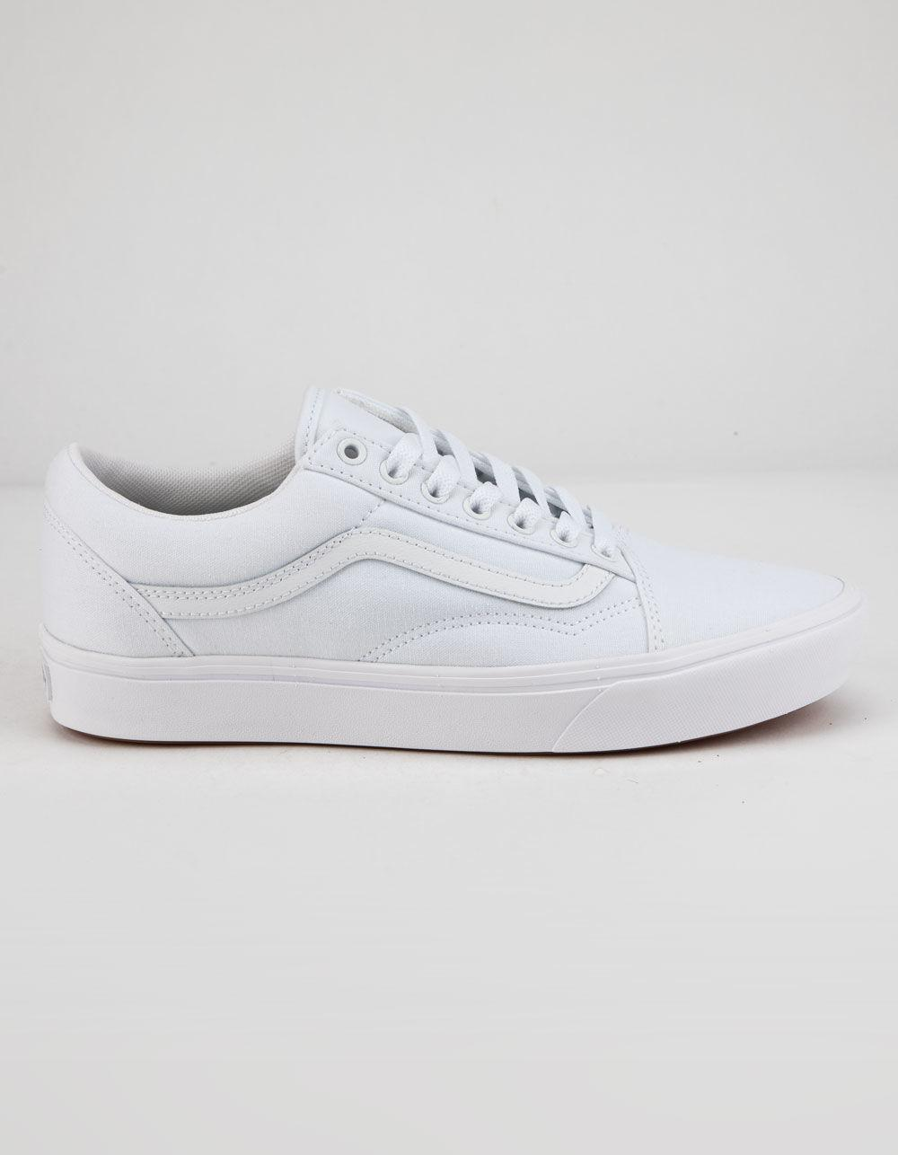 6eb401a941c Lyst - Vans Comfycush Old Skool True White Shoes in White