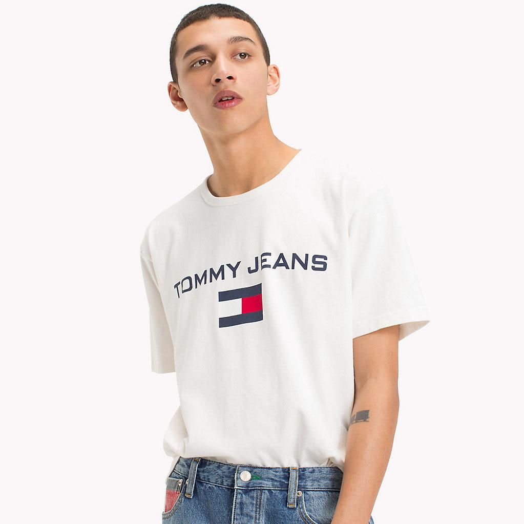 8d145f95 Tommy Hilfiger 90s Flag Logo T-shirt in White for Men - Lyst