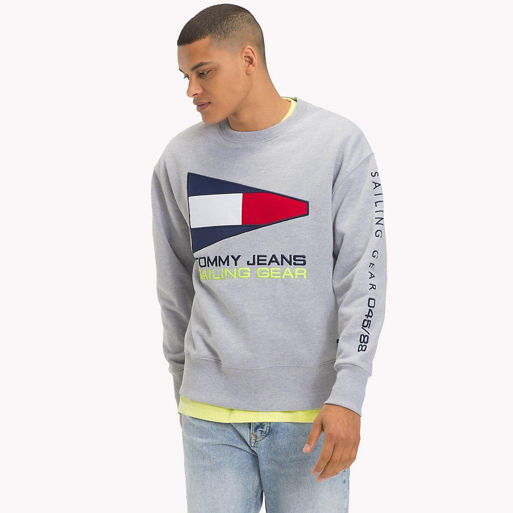 703c28f6 Tommy Hilfiger 90s Sailing Logo Sweatshirt in Gray for Men - Lyst