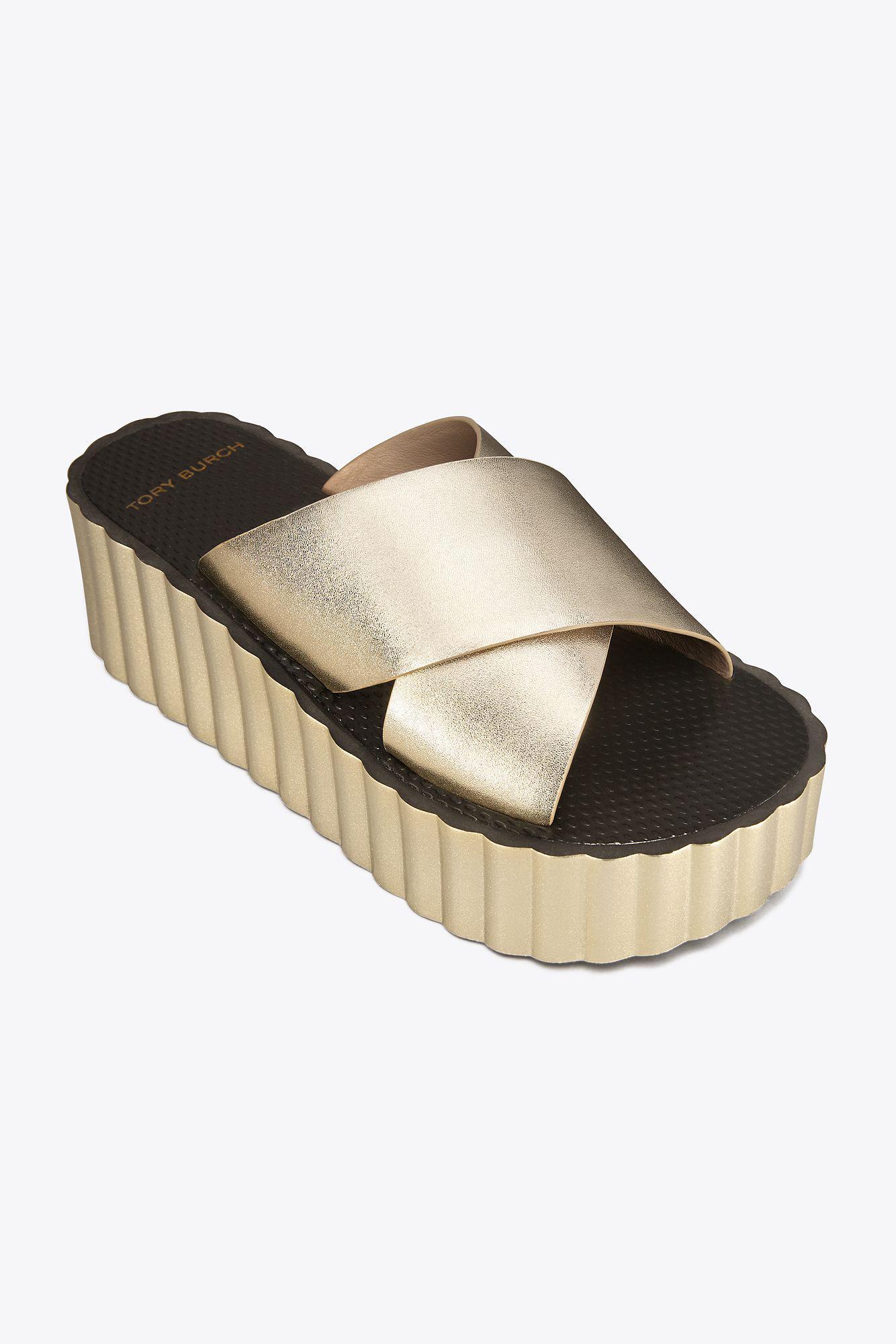 15f0d2ed0e1c Lyst - Tory Burch Scallop Wedge Leather Slide in Metallic