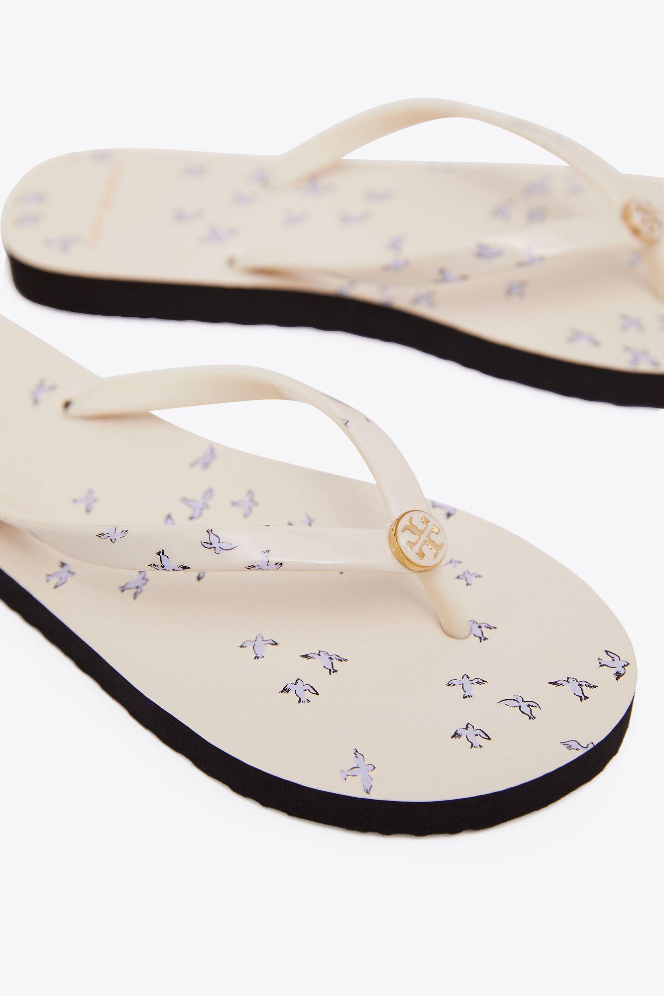 7347f8a0e4d6b8 Tory Burch - White Printed Thin Flip Flop