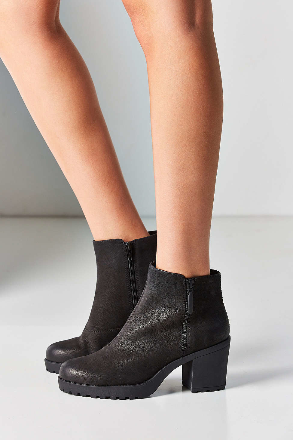 2269817202a6 Vagabond Nubuck Grace Double Zip Ankle Boot in Black - Lyst