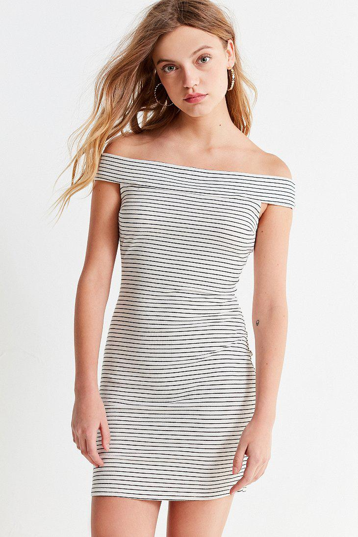 9d995f46237a Lyst - Urban Outfitters Uo Off-the-shoulder Striped Bodycon Mini ...