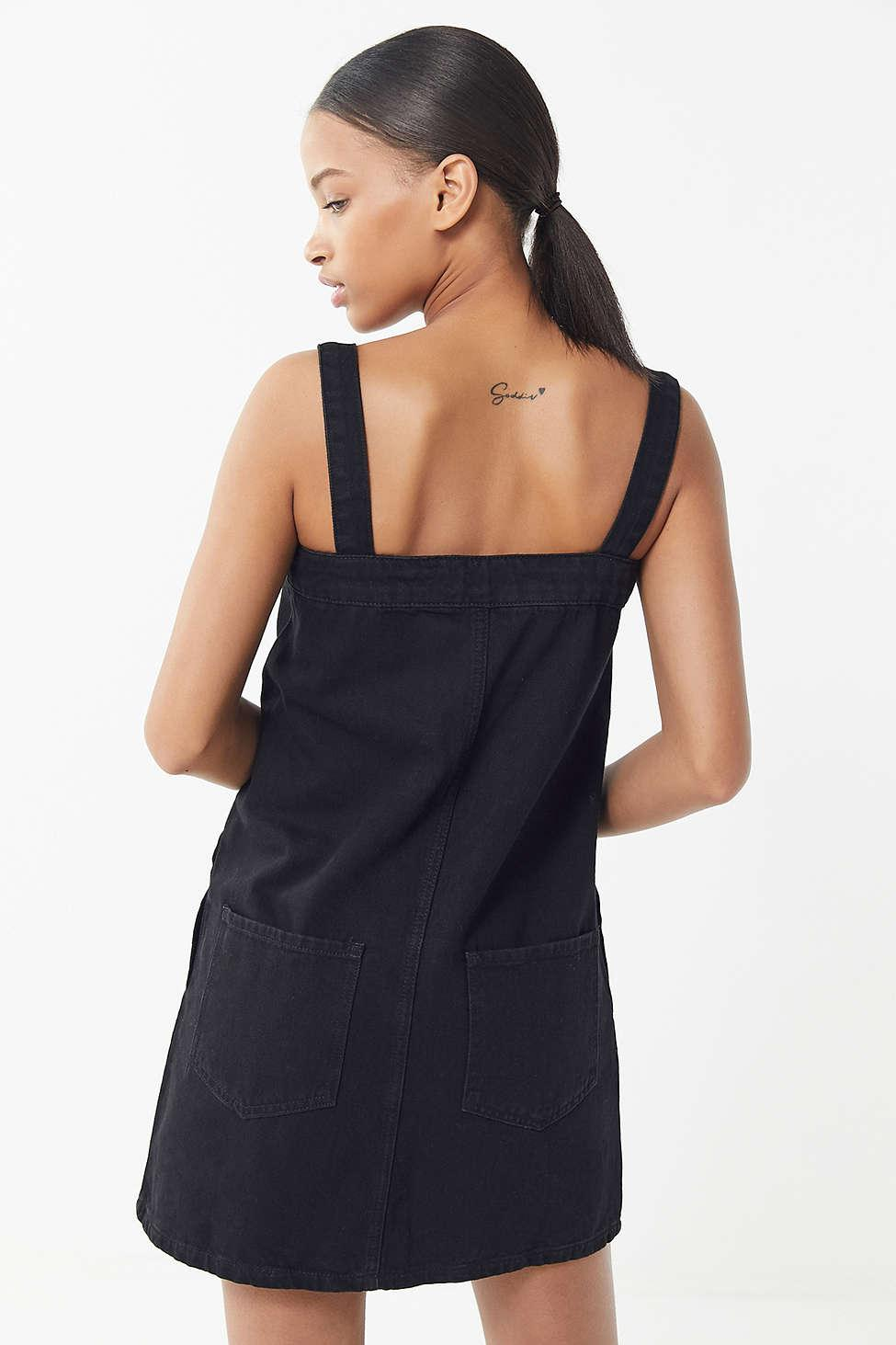 1c8fb7fbefa Lyst - Urban Outfitters Uo Aria Denim Straight-neck Shift Dress in Black