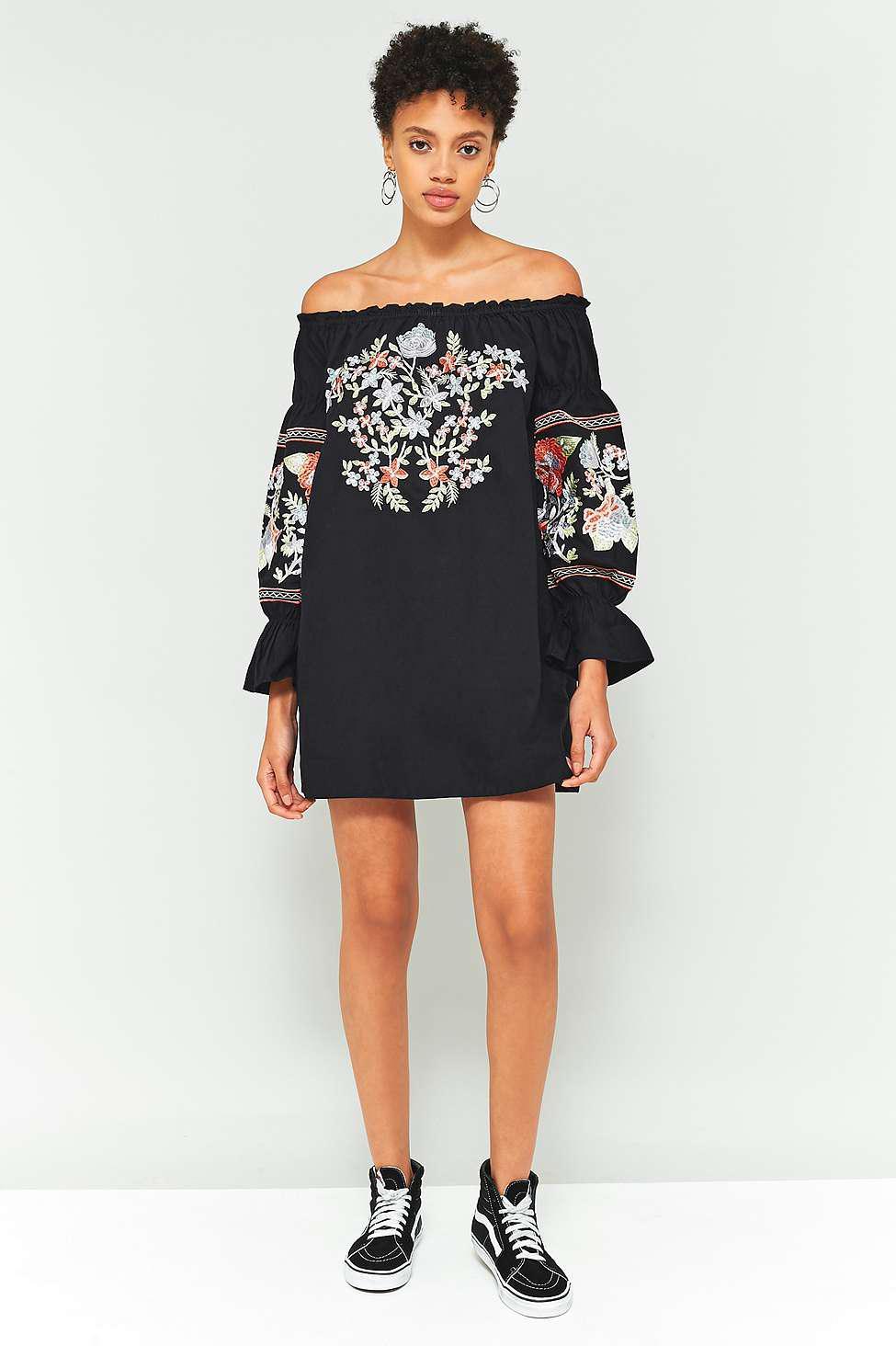 e146ea35596d Free People Fleur Du Jour Off-the-shoulder Black Floral Embroidered ...
