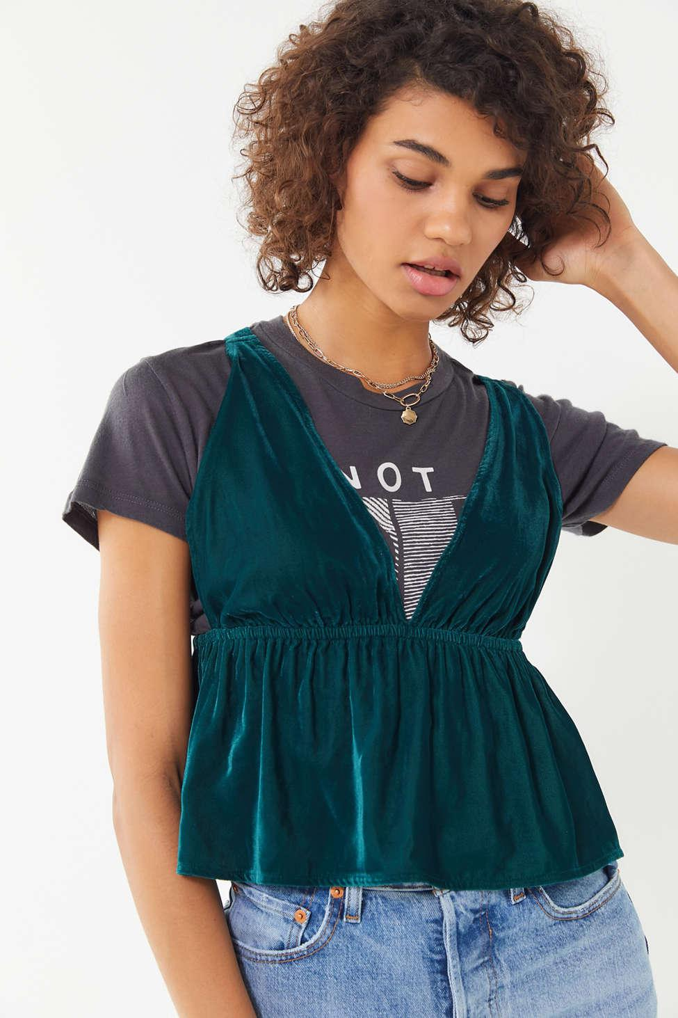 cd333bc4d9 Lyst - Urban Outfitters Uo Lissy Velvet Plunging Babydoll Cami in Green