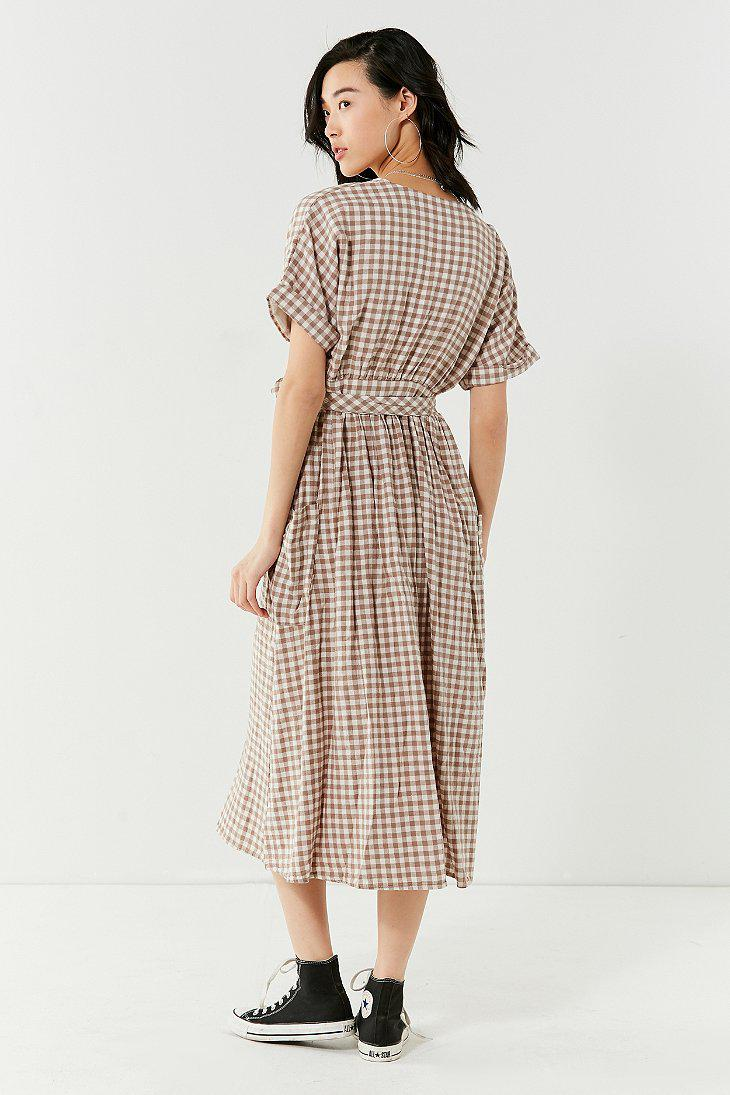 f7d5a4f455 Lyst - Urban Outfitters Uo Gabrielle Linen Midi Wrap Dress