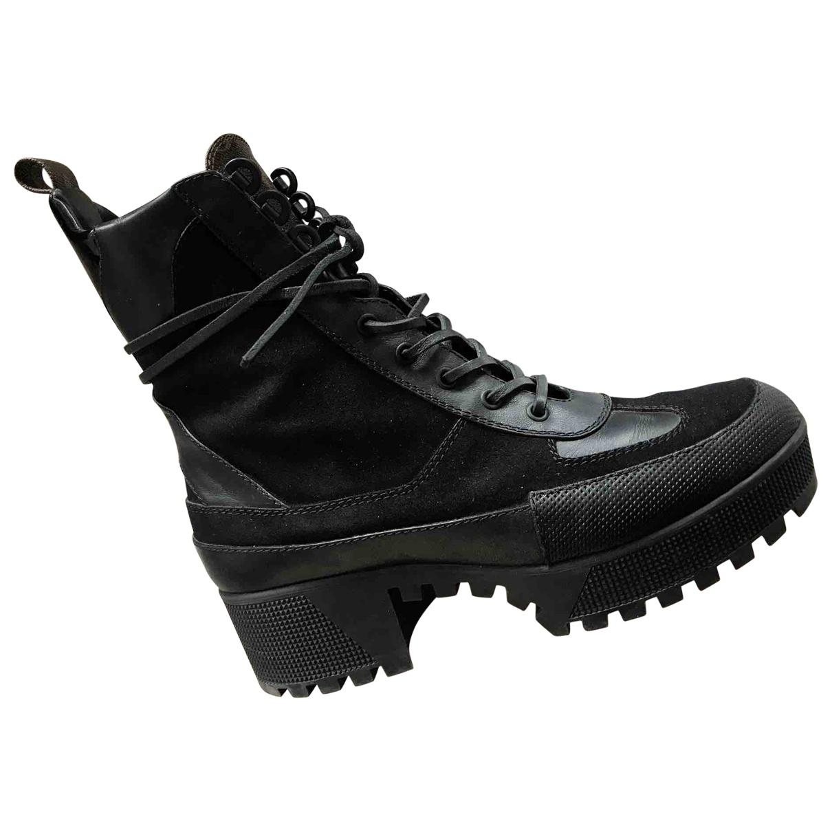 4bf76d6cae12 Lyst - Louis Vuitton Pre-owned Laureate Leather Lace Up Boots in Black