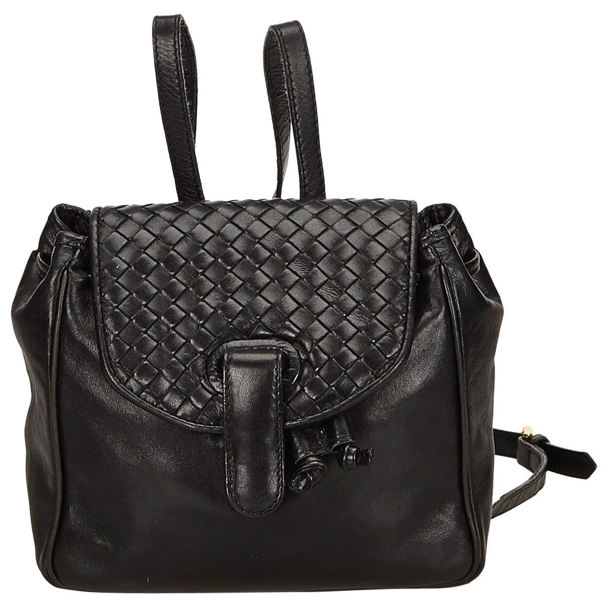 4946dfab23b5 Bottega Veneta Leather Backpack in Black - Lyst