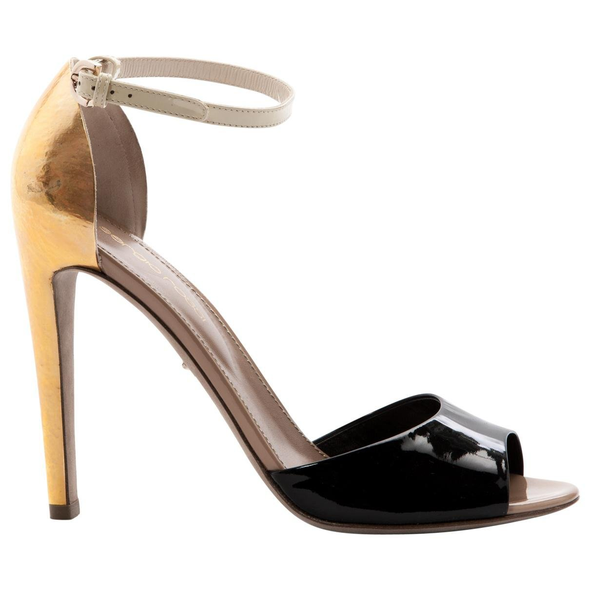 Pre-owned - Patent leather sandals Sergio Rossi