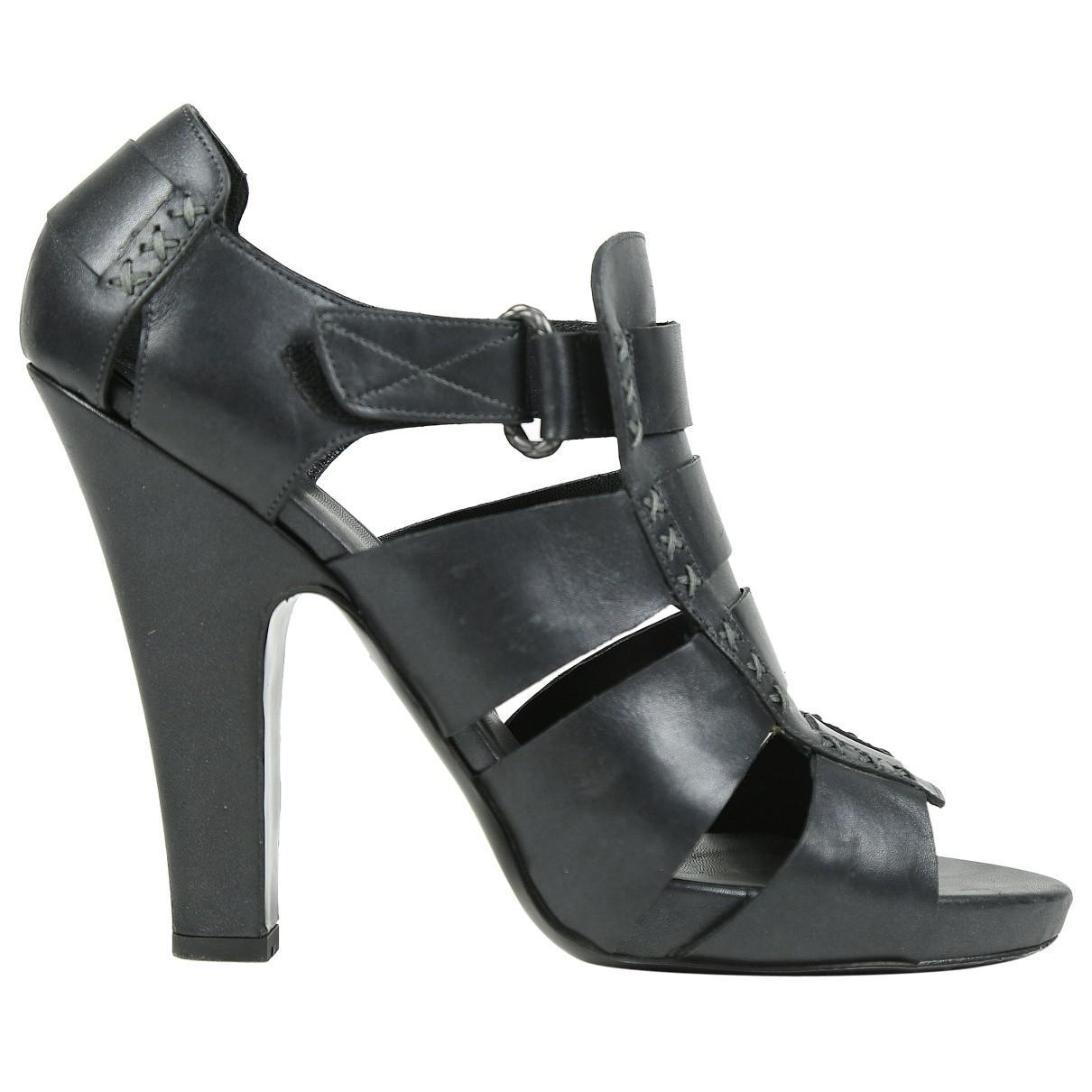 Pre-owned - Patent leather sandals Bottega Veneta iApTS8