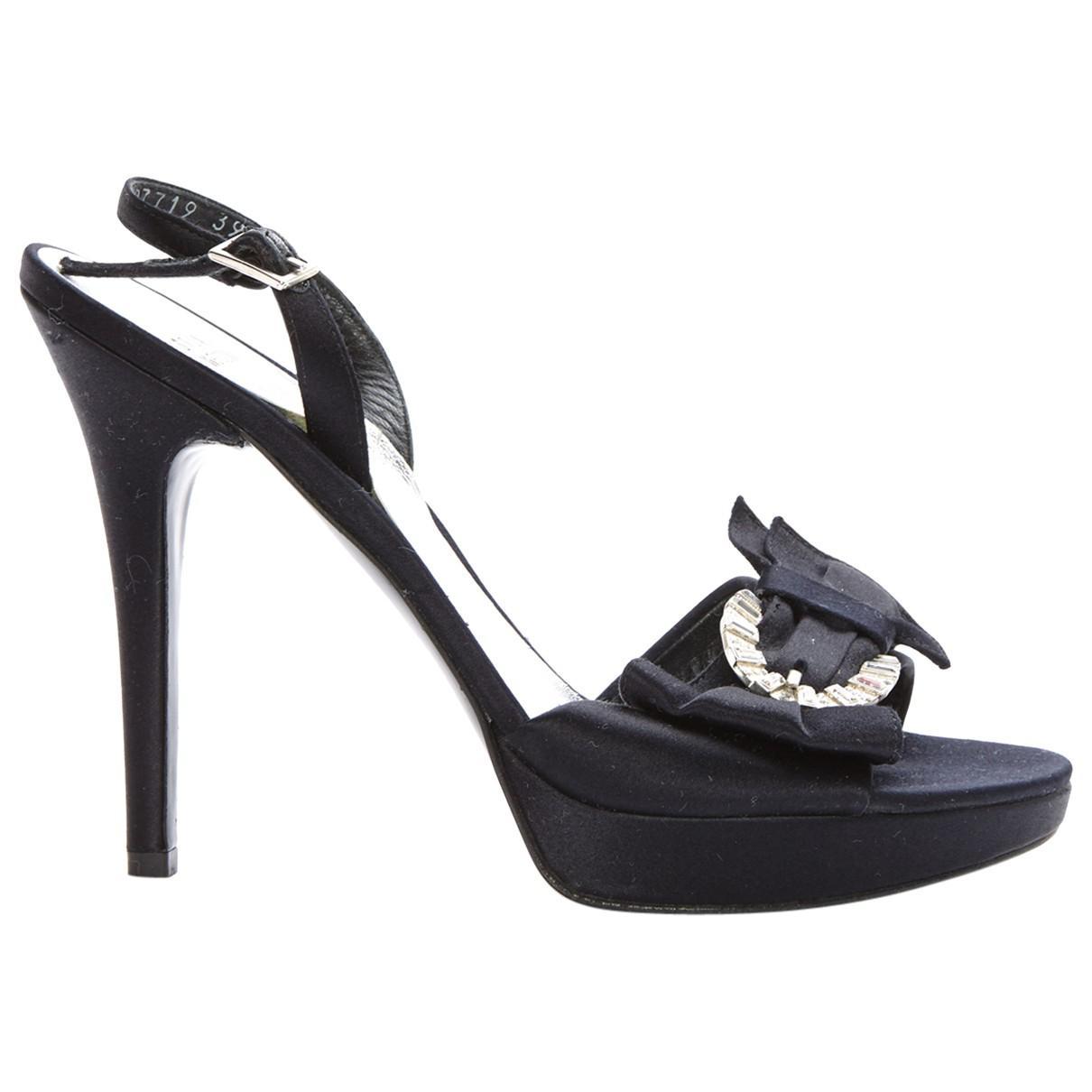 Stuart Weitzman Cloth Sandals Low Cost fw0U0Ww9