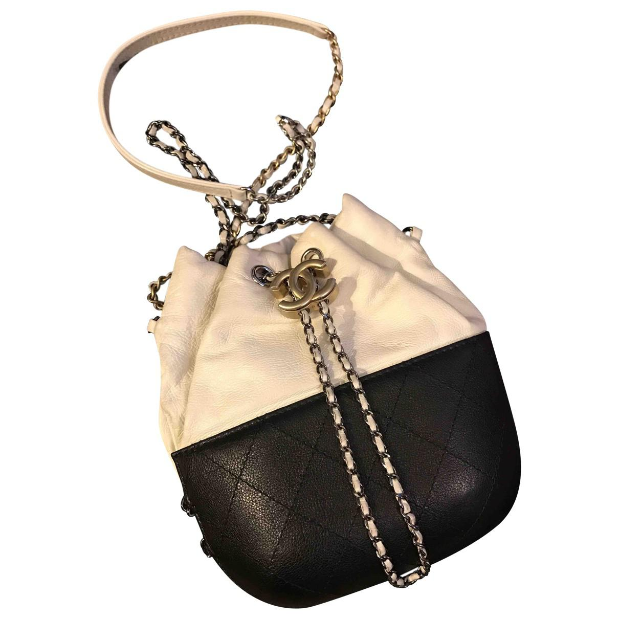 ec4f6b8e4560 Gallery. Previously sold at  Vestiaire Collective · Women s Box Bags ...