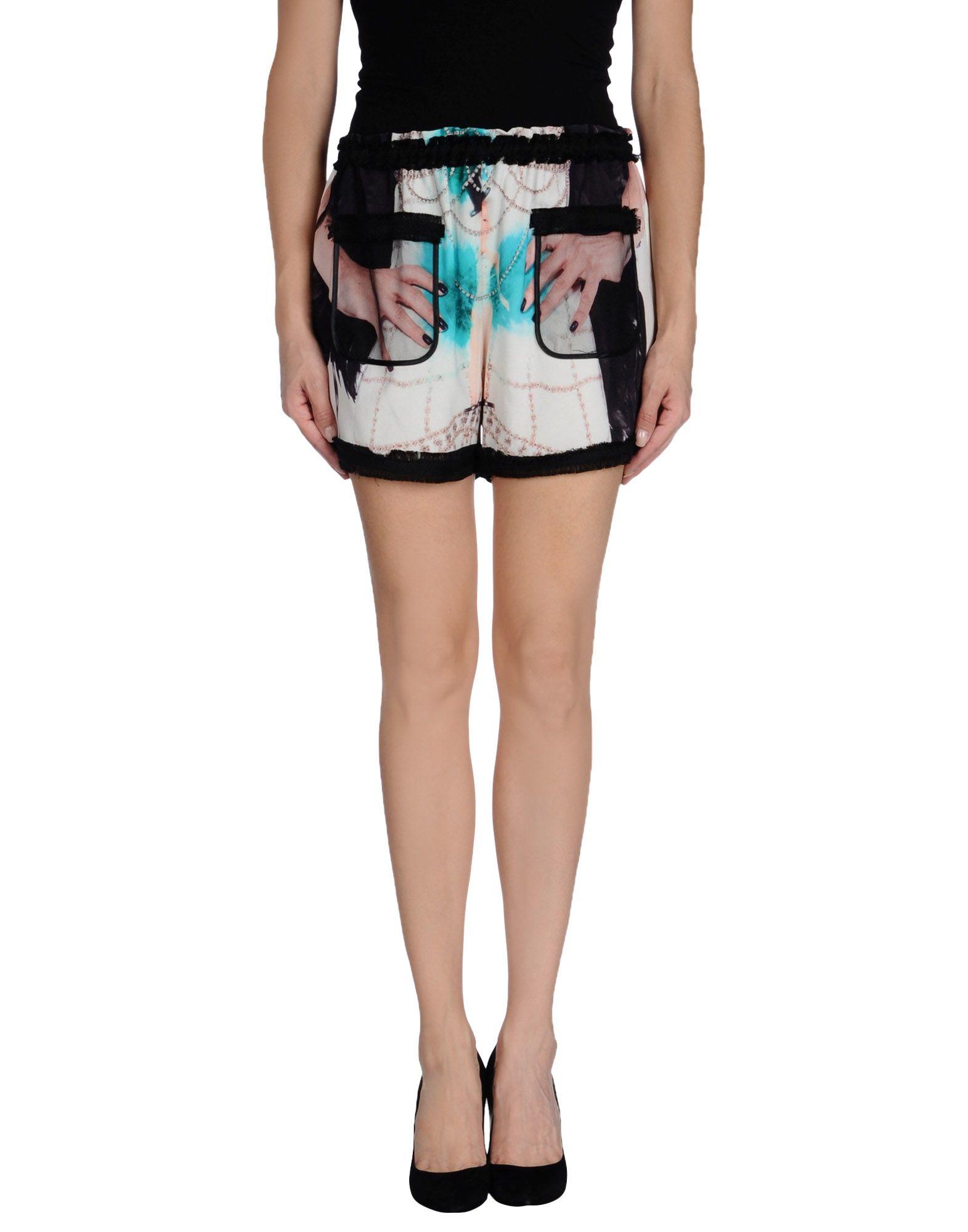 Venera Arapu Shorts In White