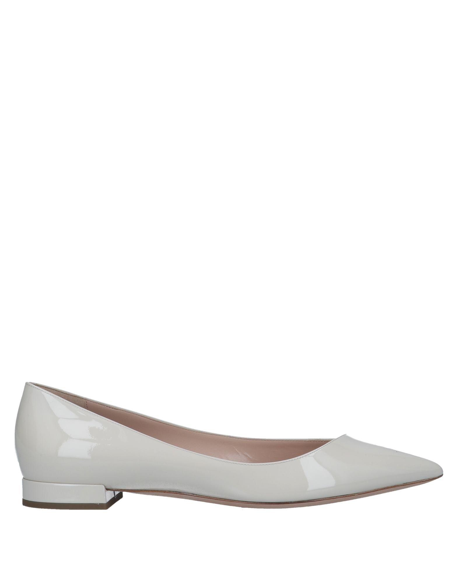 11ce0ca1390b5 Giorgio Armani Ballet Flats in White - Lyst