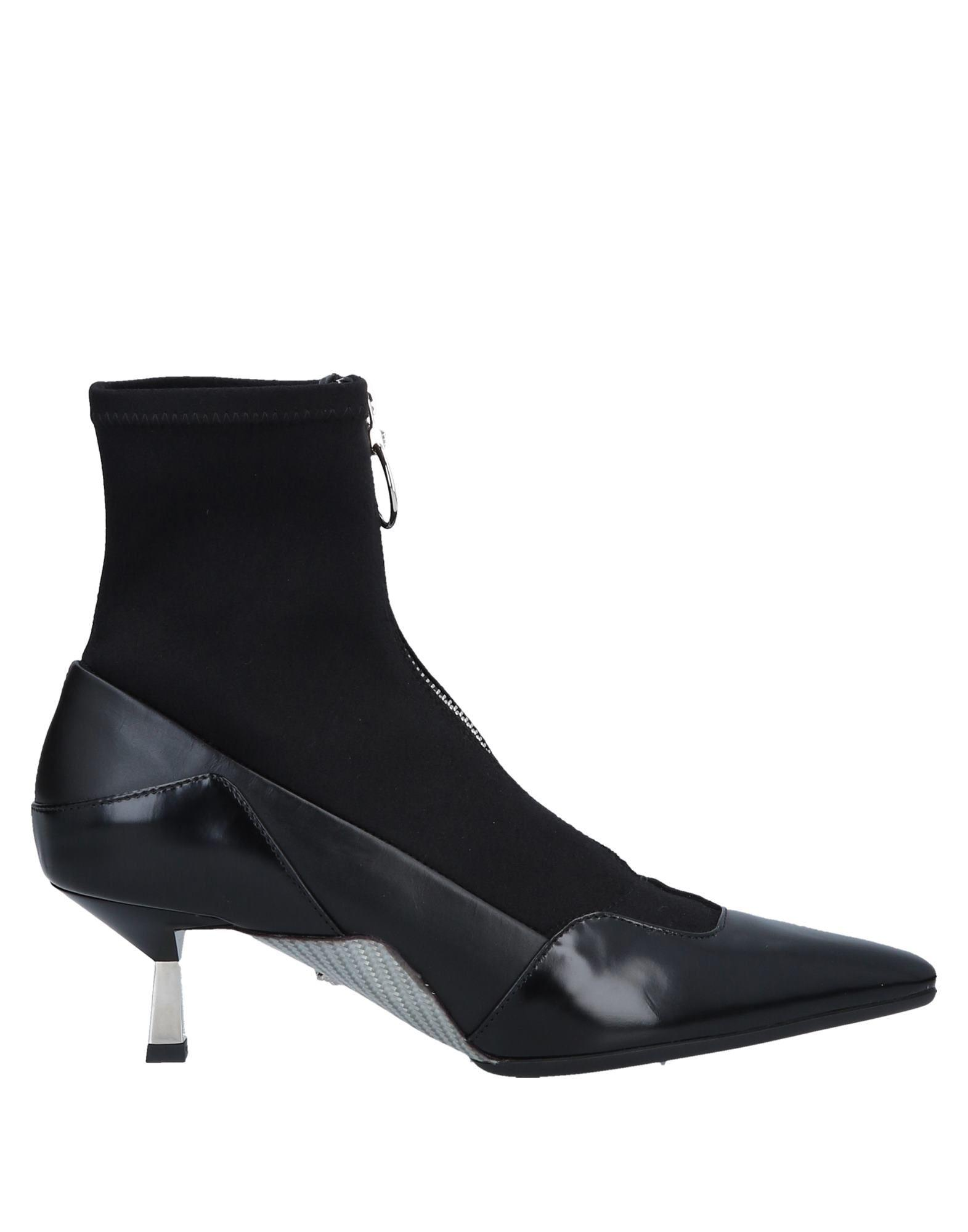 590643256739 Lyst - Versace Ankle Boots in Black