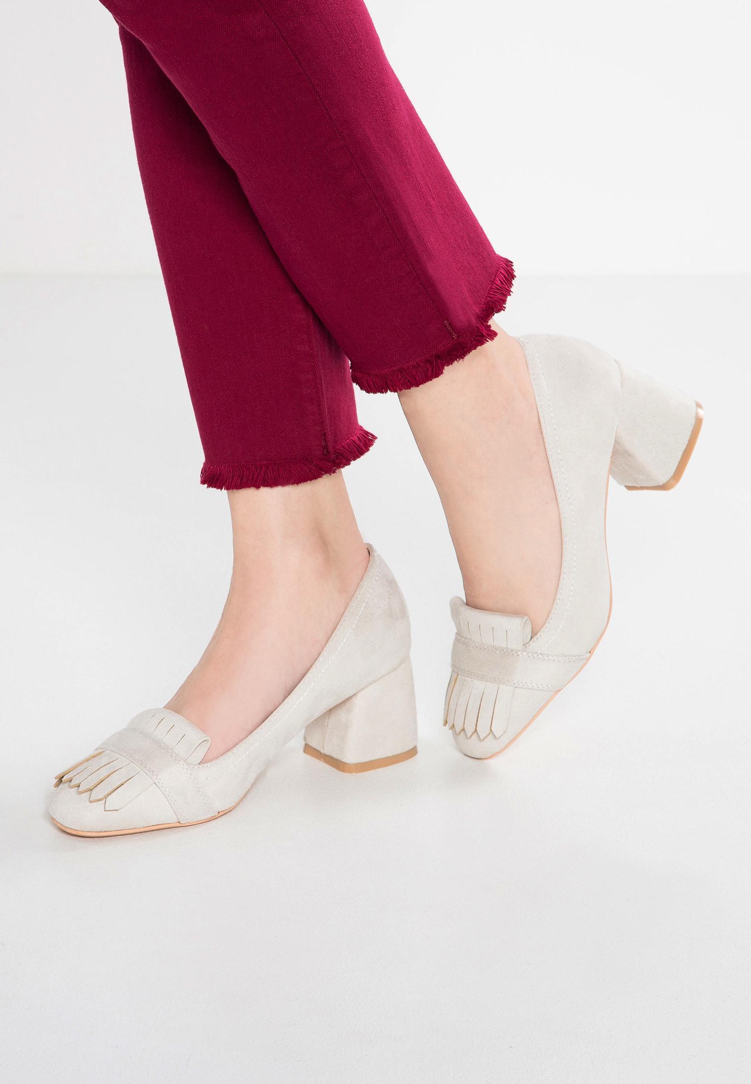 Lost Ink. Women's Gray Fallon Classic Heels