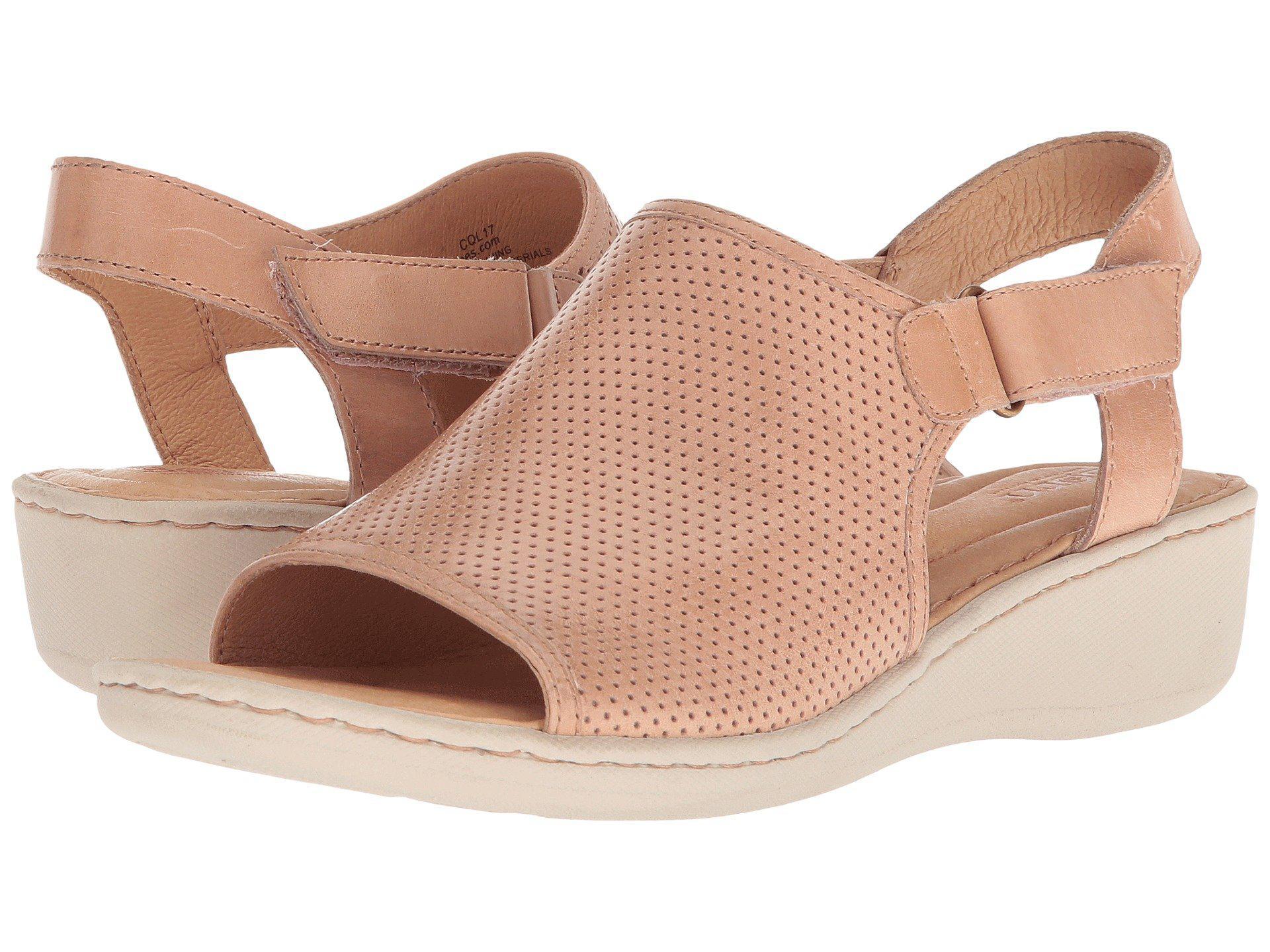 Born Salvia Perforated Wedge Sandals XJq8lTu