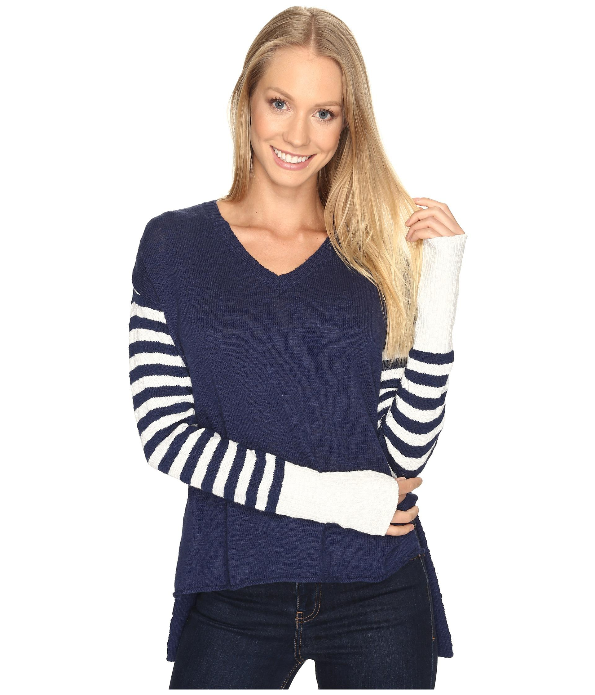 Life is good. V-neck Slouchy Sweater in Blue Lyst
